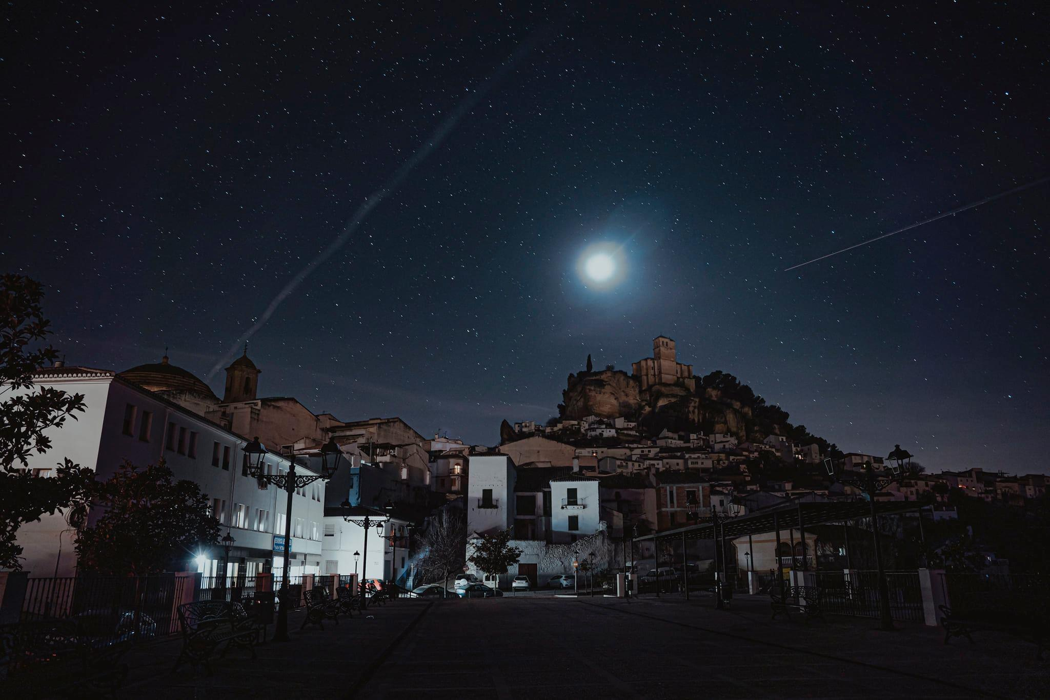 Montefrío sufrió un apagón de luz anoche de una hora y media