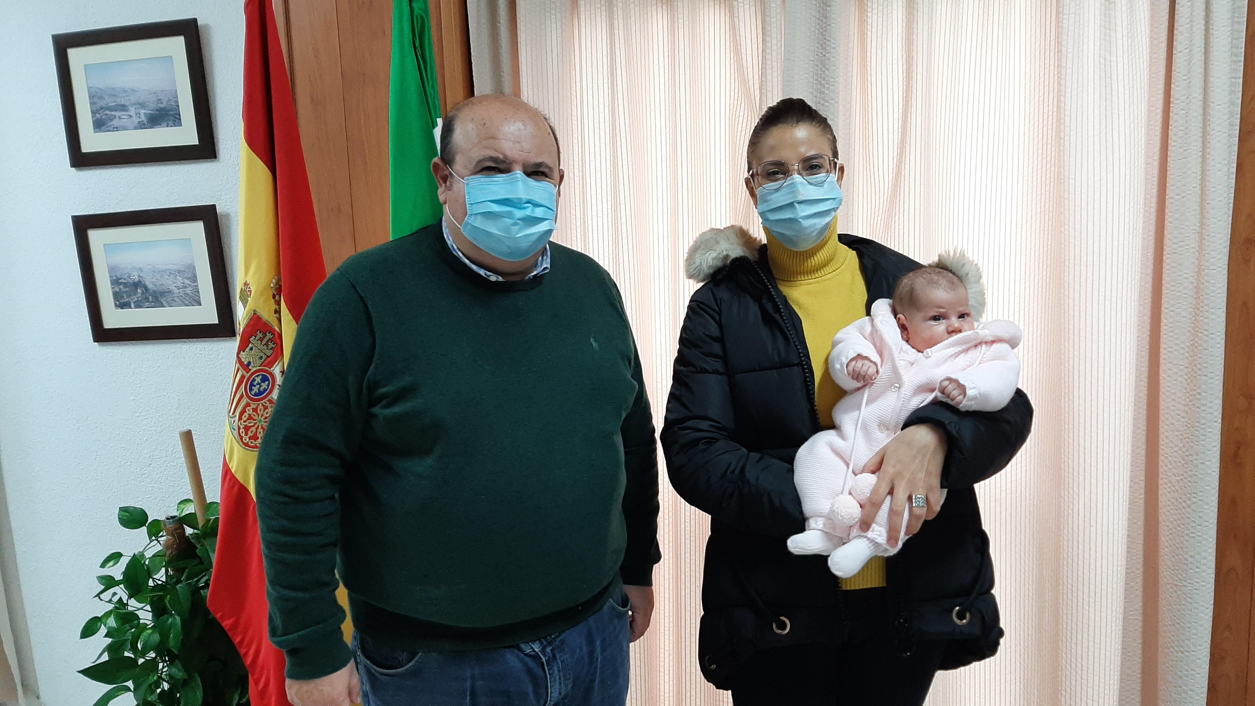 Familias güejareñas reciben ayudas de hasta 1.200 euros por nuevos nacimientos