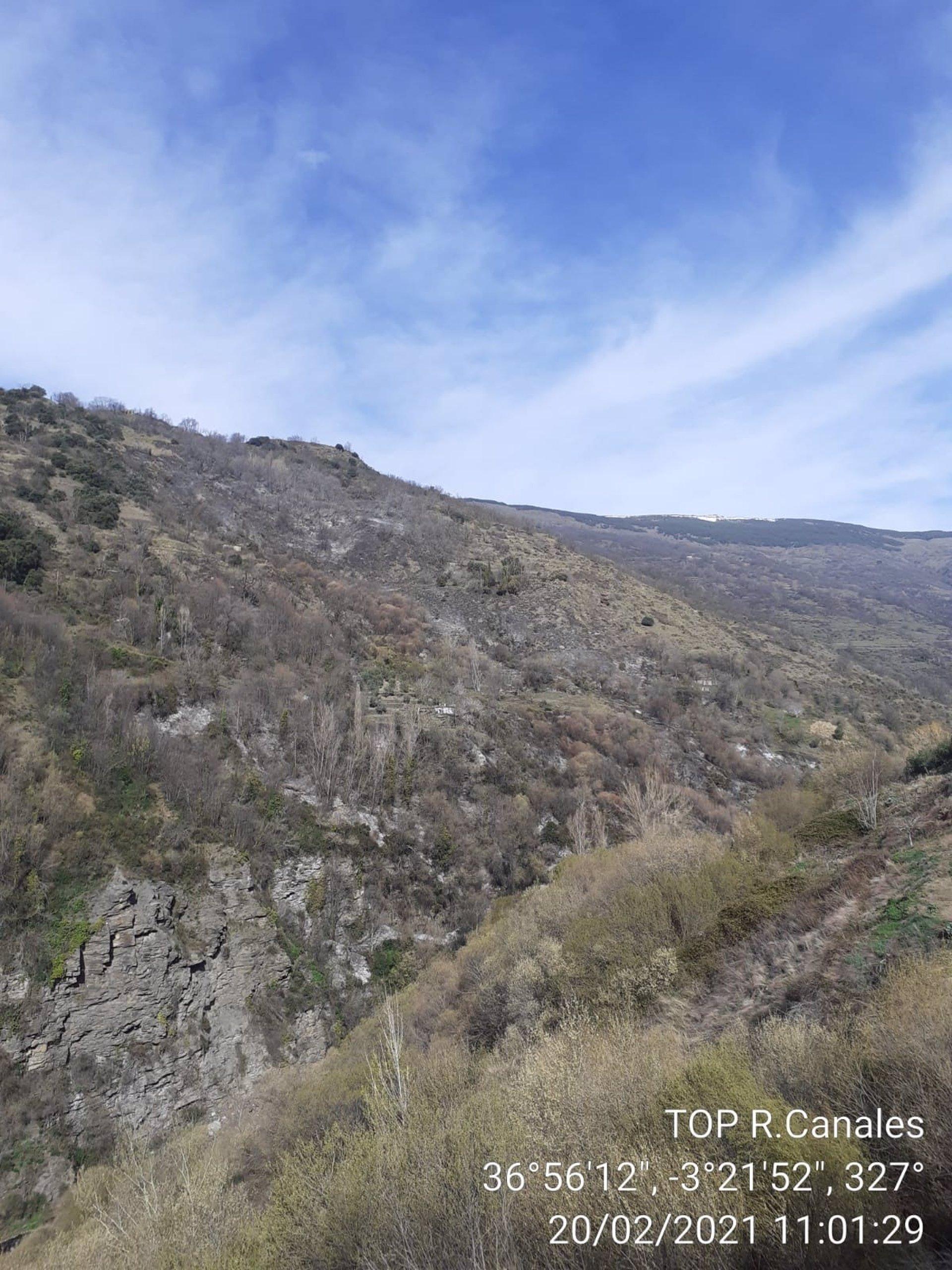 Controlado el incendio en el barranco de Pampaneira