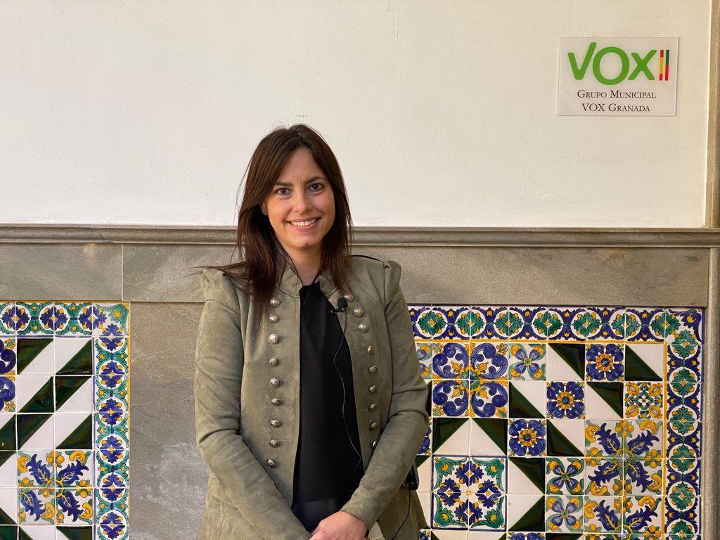 VOX reclama al concejal de Turismo que convoque la mesa de trabajo del Palacio de Congresos de Granada