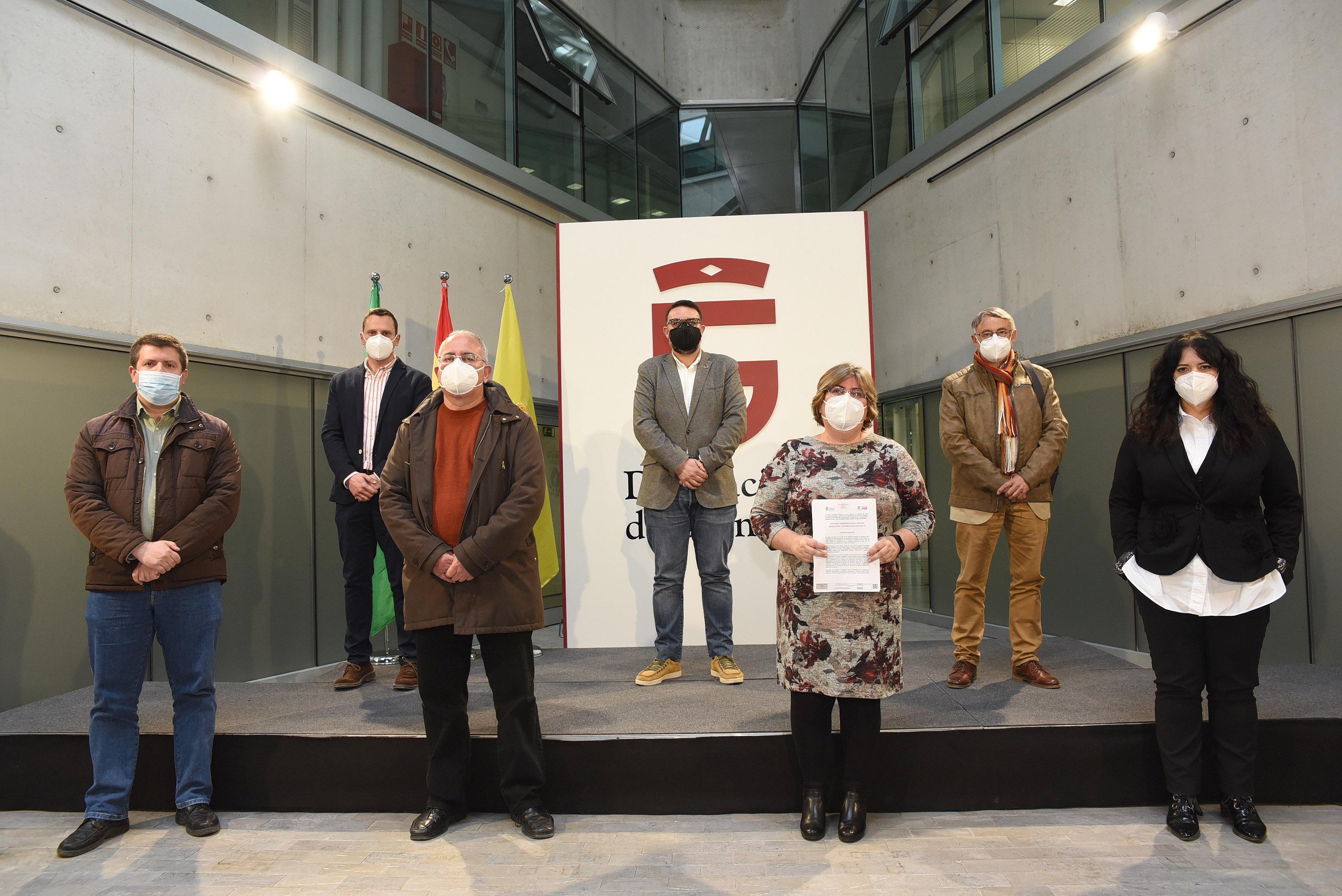 Diputación exige a la Junta que active las ayudas a los polígonos industriales tras 2 años de retraso