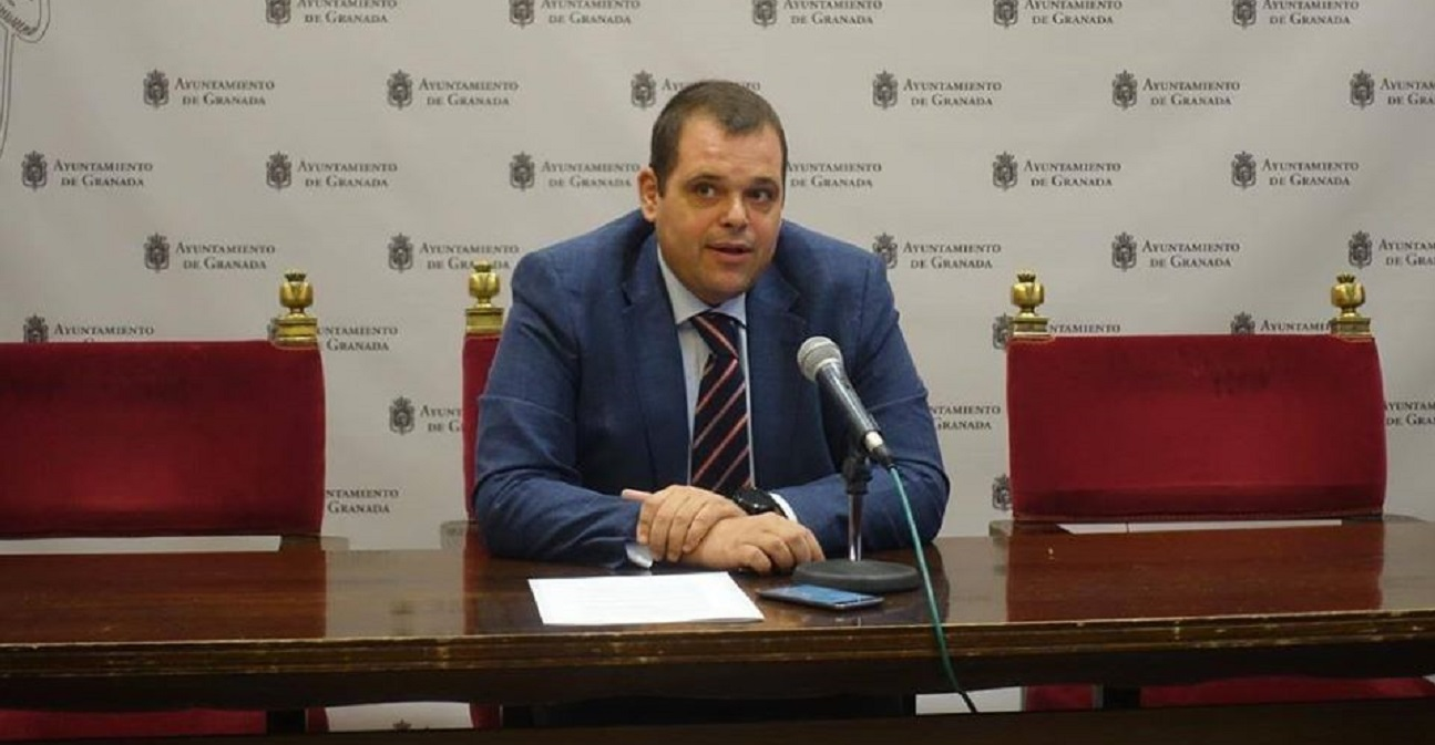 VOX pide a César Díaz que deje de hacer demagogia con la Policía Local y los Bomberos