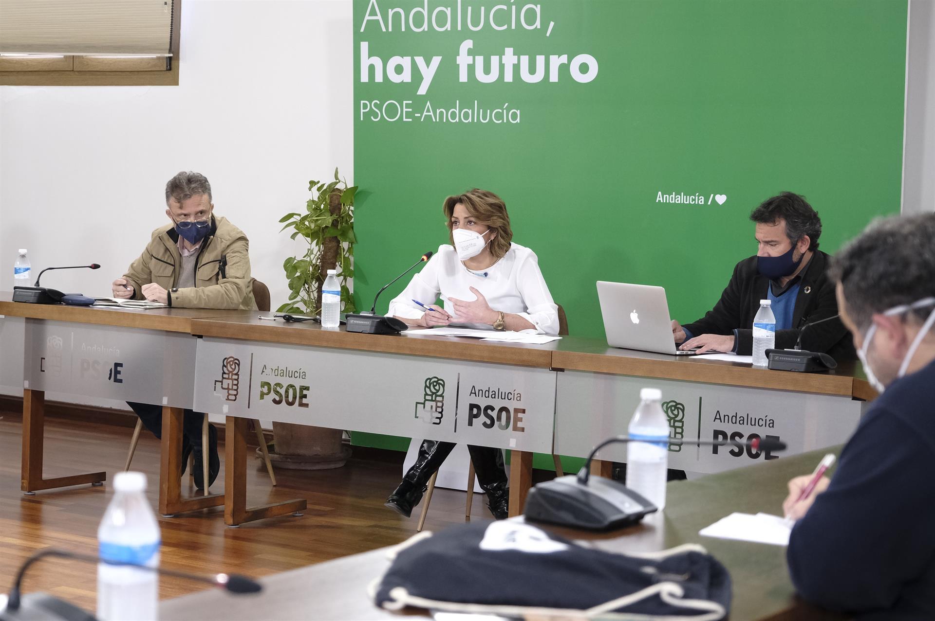 Susana Díaz denuncia que la «revolución verde» de Moreno es «enladrillar el Cabo de Gata y asfaltar Doñana»