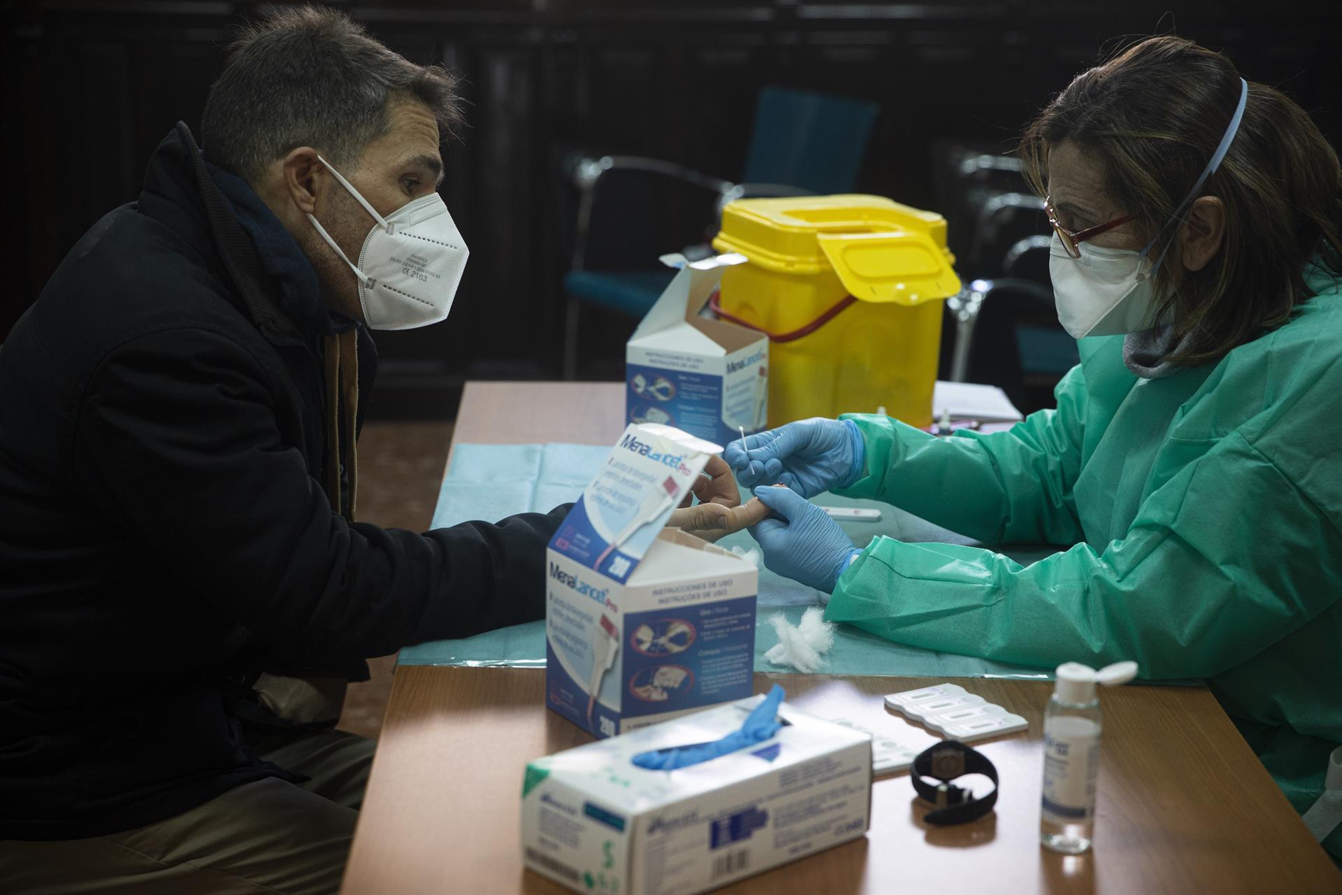 El SAS vacunará desde el lunes y sin cita previa contra la Covid-19 a personas de entre 40 y 69 años adscritas al Distrito Sanitario Granada