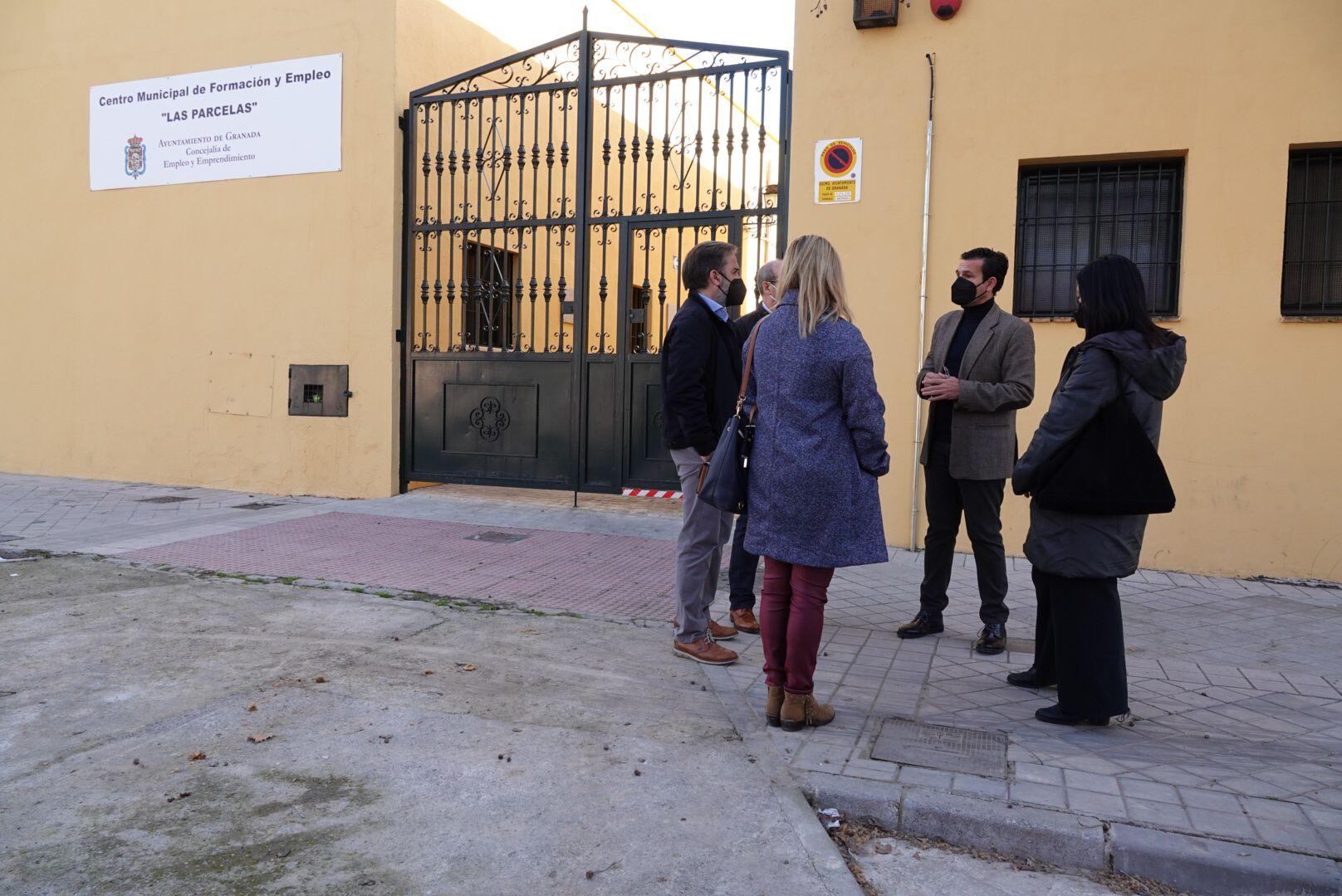 El PSOE denuncia el cierre del Centro Municipal de Empleo del Distrito Norte