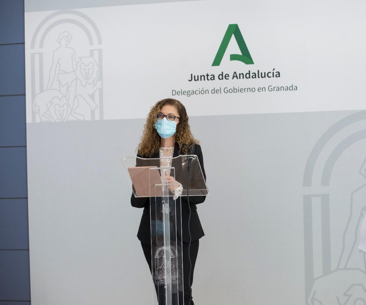 Educación propone reconocer la labor del profesorado con la 'Bandera de Andalucía a los valores humanos'