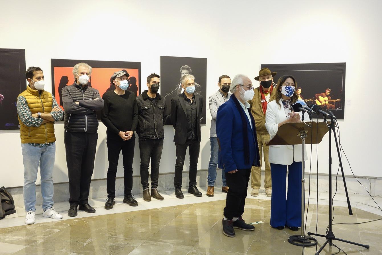 Una exposición en el Centro Cultural Gran Capitán recorre la vida y trayectoria musical de Morente