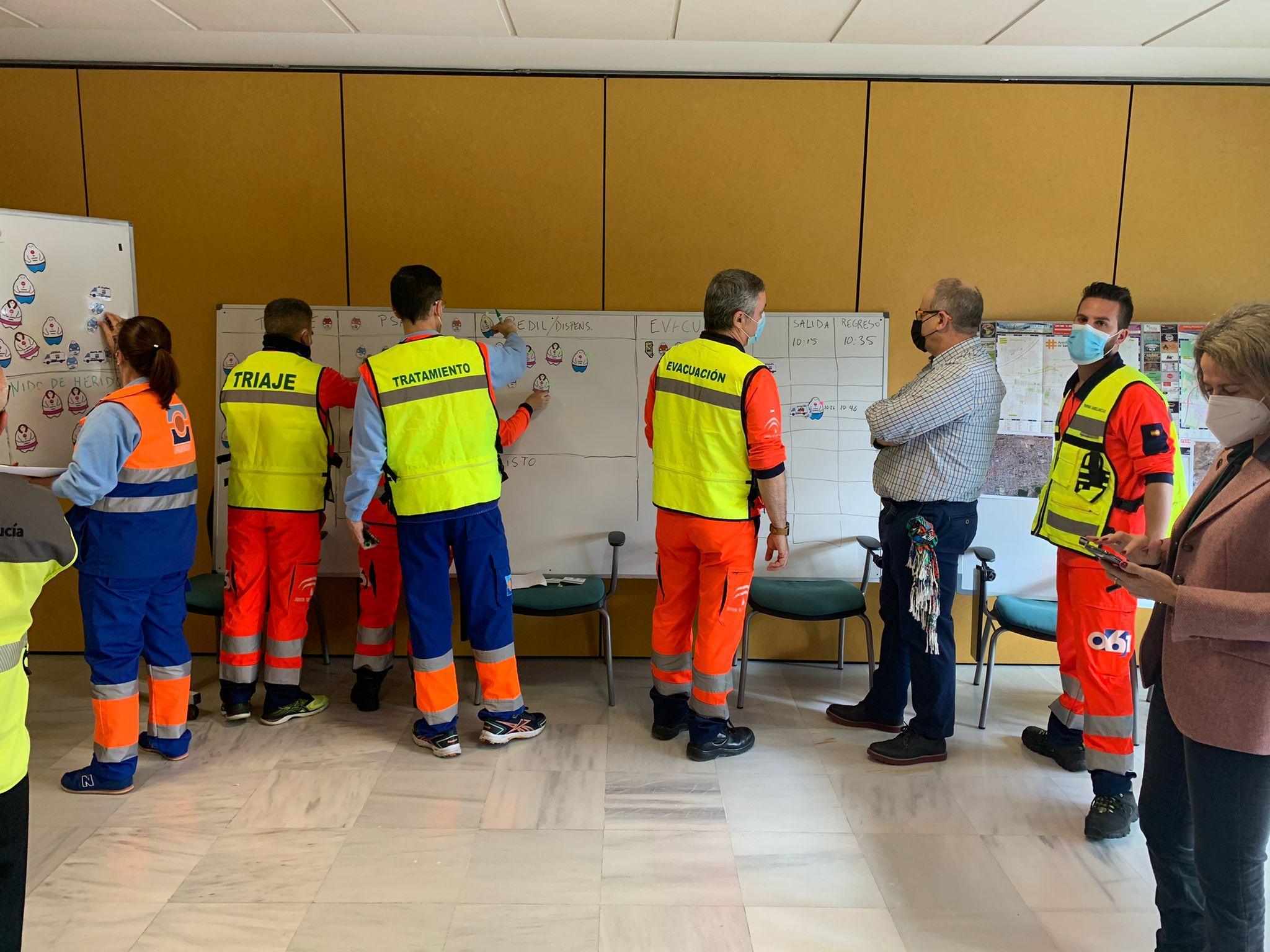 El 061 realiza un ejercicio de simulación ante un movimiento sísmico con víctimas