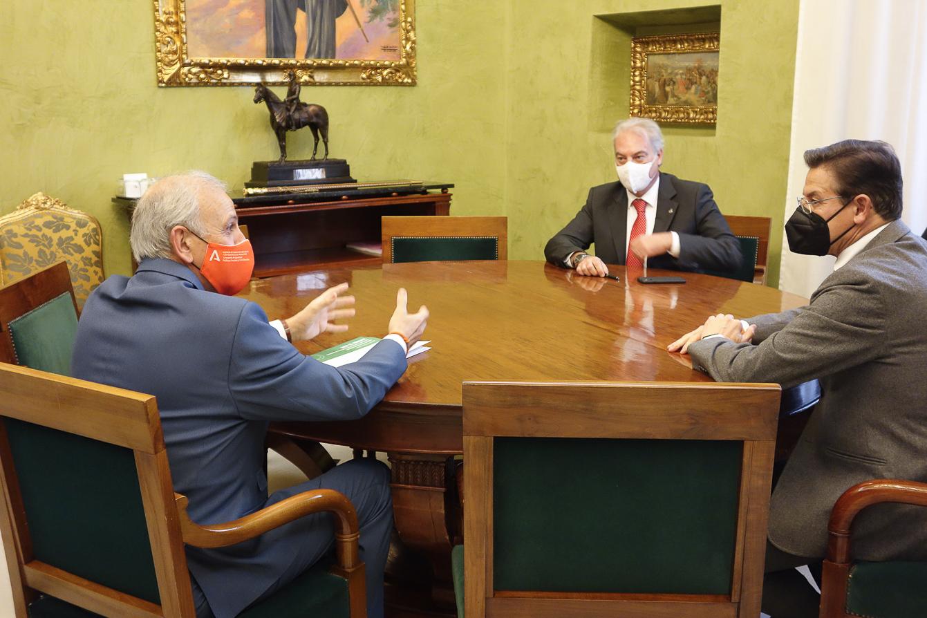 Ayuntamiento y Junta ratifican su colaboración para el desarrollo conjunto de política sociales