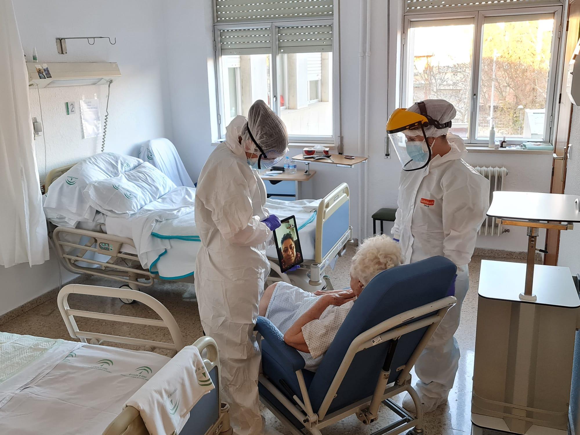 El Clínico edita un video con testimonios de familiares y pacientes que han vivido en primera persona la pandemia