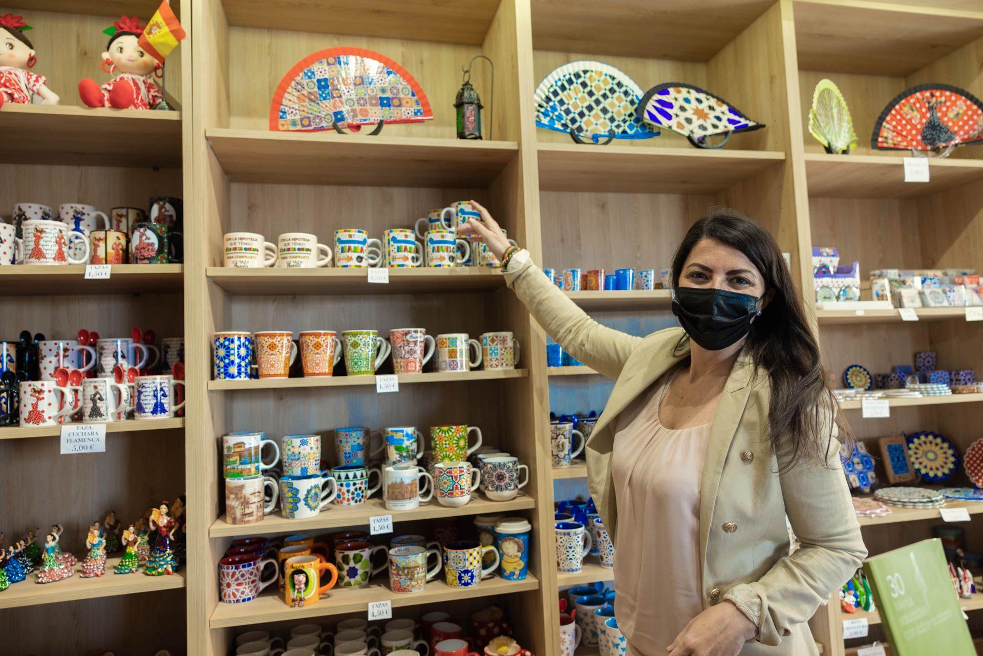 Olona presenta en el Congreso las medidas de VOX para apoyar a las tiendas de recuerdos turísticos