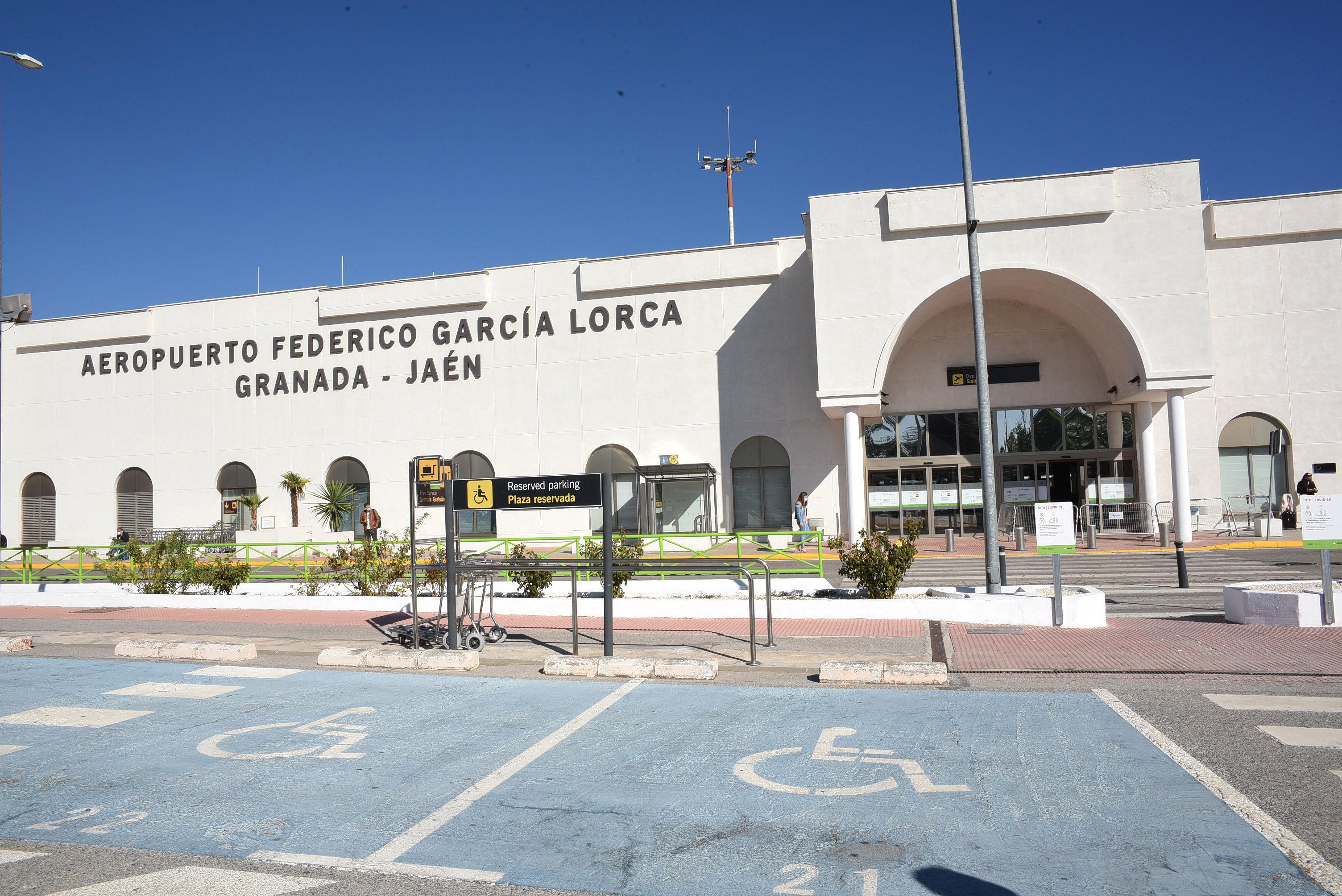 La Diputación de Granada felicita a Aena por los premios europeos conseguidos por el Aeropuerto FGL