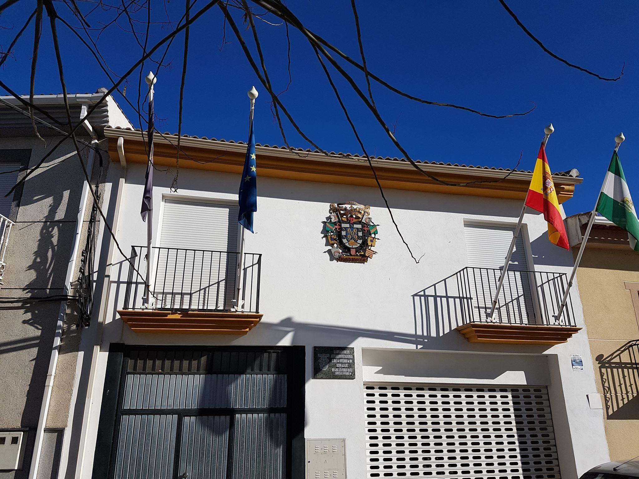 Concentraciones de protesta en los ayuntamientos de la Provincia por las agresiones a profesionales de los servicios sociales de Campotéjar