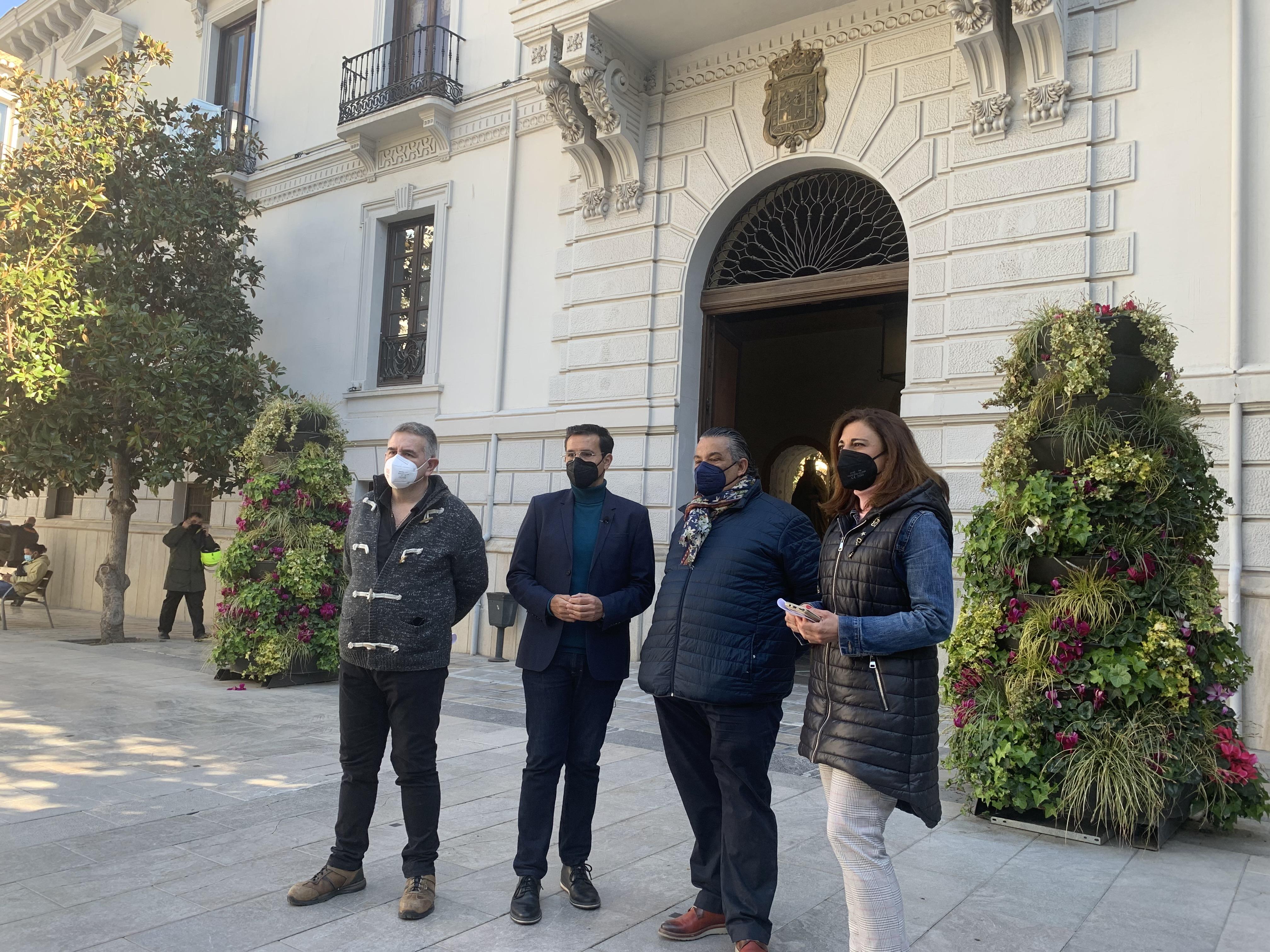 Cuenca recuerda a Moreno que el paquete de ayudas para Granada prometido hace meses no llega