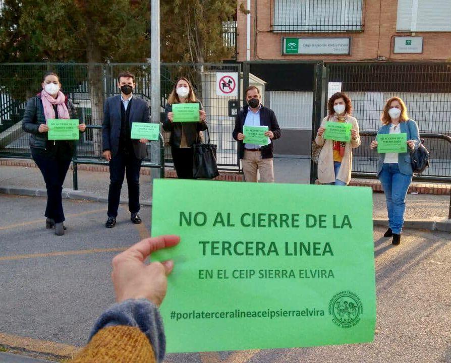 El PSOE critica el cierre de unidades escolares en varios centros públicos de la capital