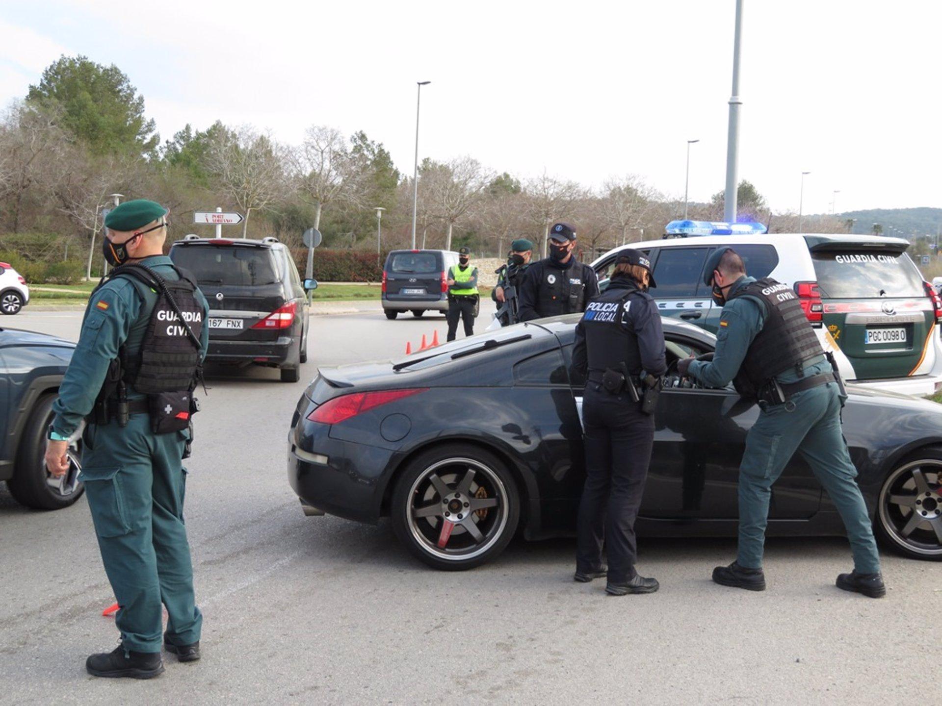 Denuncia que le habían robado el coche tras ser interceptado por saltarse el toque de queda