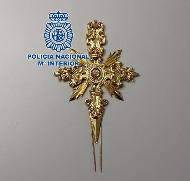 La Policíarecupera una daga del ajuar de una imagen religiosa que había sido denunciada como sustraída
