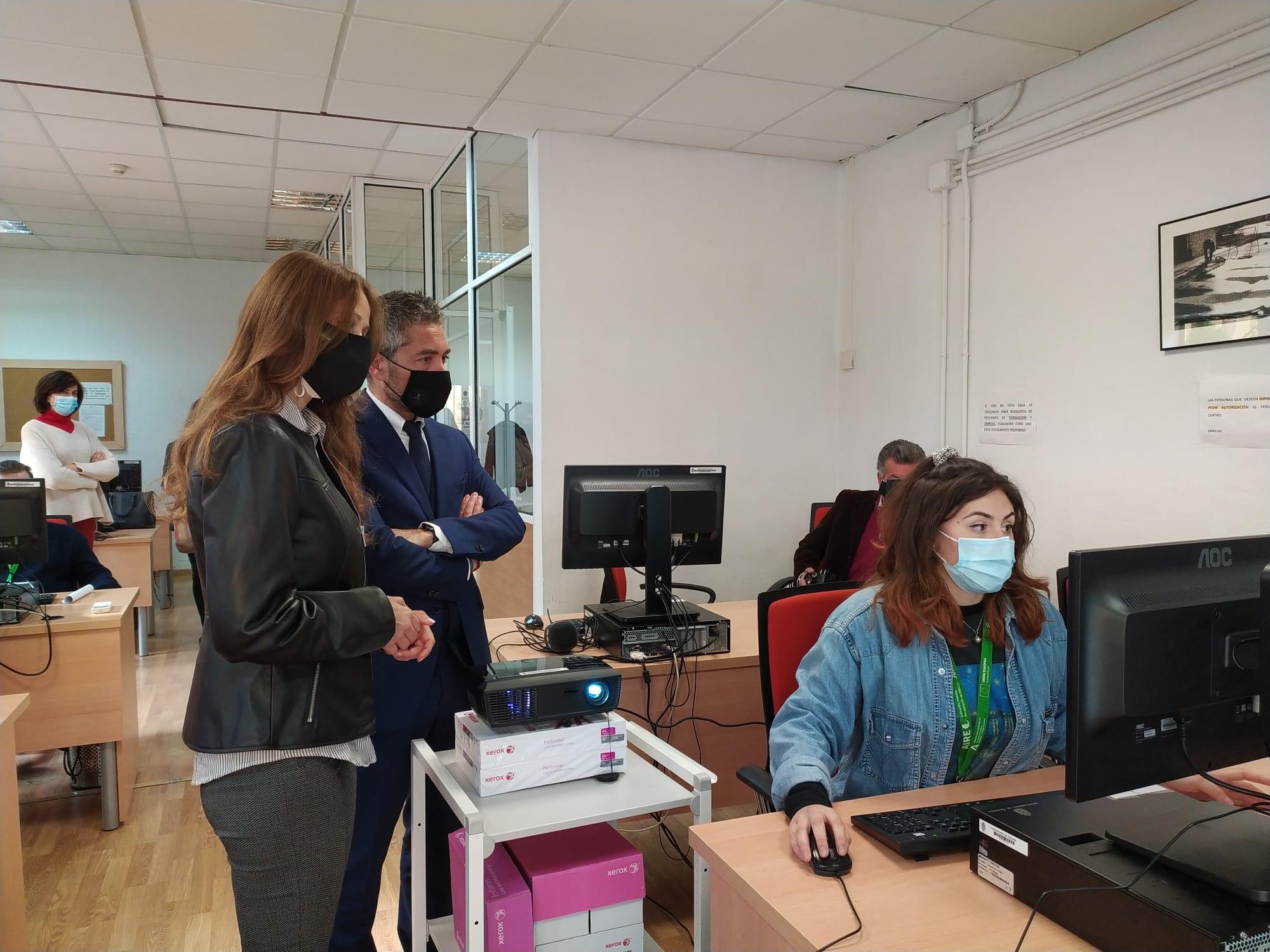 Nuevo proyecto municipal «Desarrollo de competencias digitales para la inserción laboral» en Zaidín y Norte