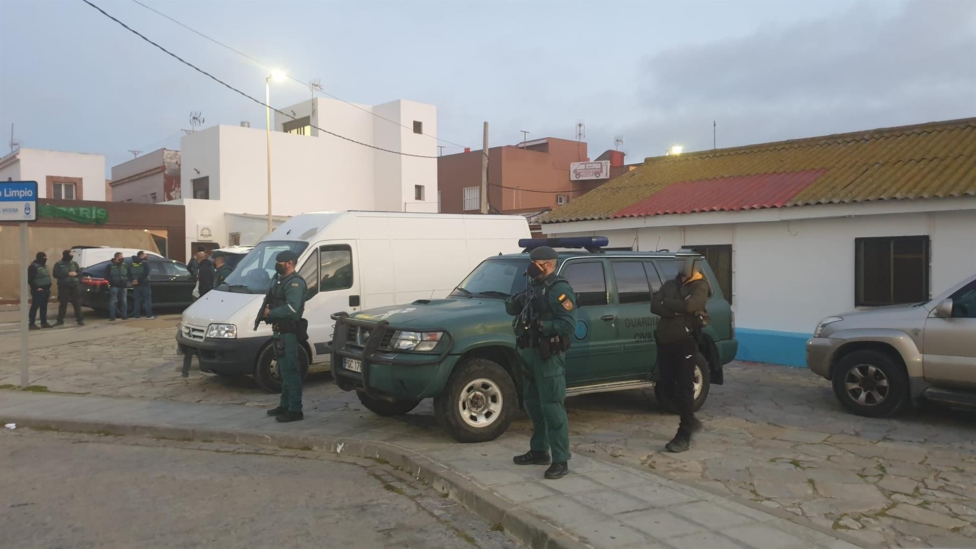 Incautadas más de dos toneladas de hachís y 20 embarcaciones en la operación en Almería, Málaga y La Línea