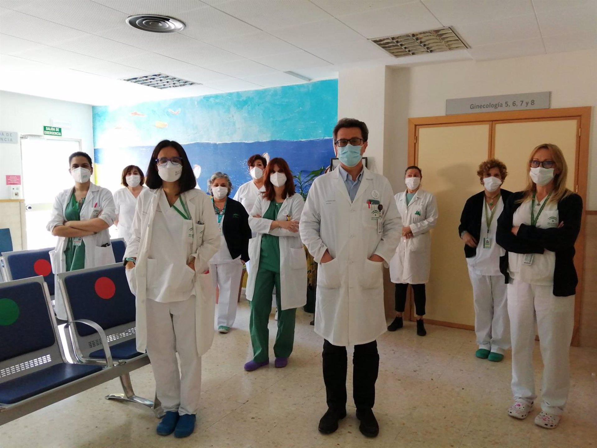 El Hospital Virgen de las Nieves atiende a cerca de 400 mujeres con endometriosis
