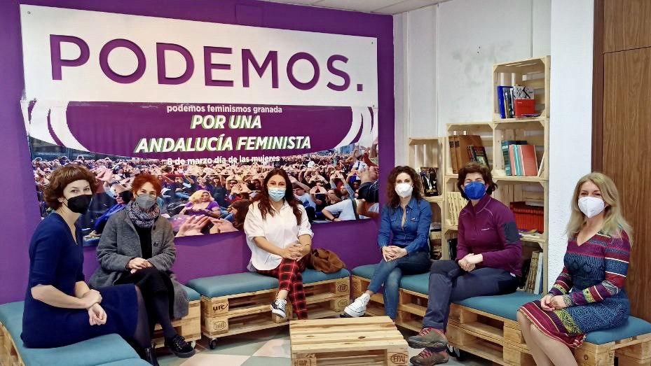 Las concejalas de Podemos Granada celebran un «café feminista»