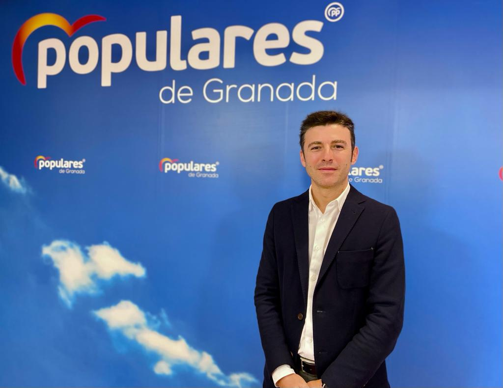 Saavedra (PP) lamenta la visita de Susana Díaz a Granada «para su tour promocional»