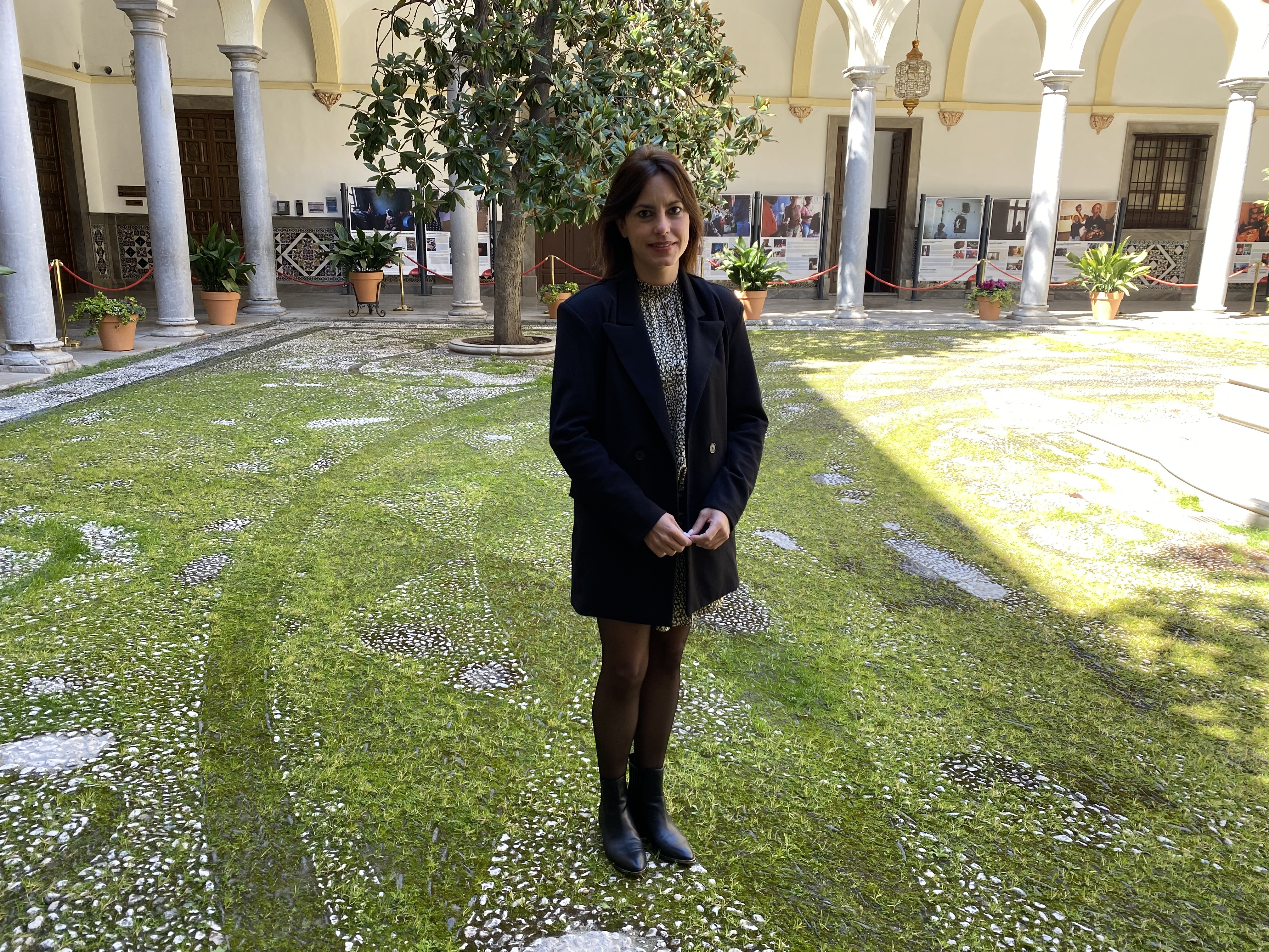 VOX propone medidas directas para agencias de viajes, guías turísticos y tiendas de souvenirs de Granada
