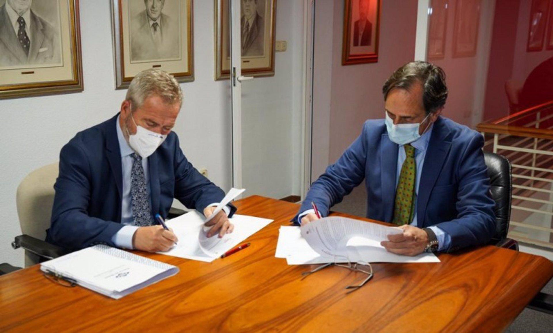 Los empresarios de la costa apoyan la conexión ferroviaria entre Granada y el puerto