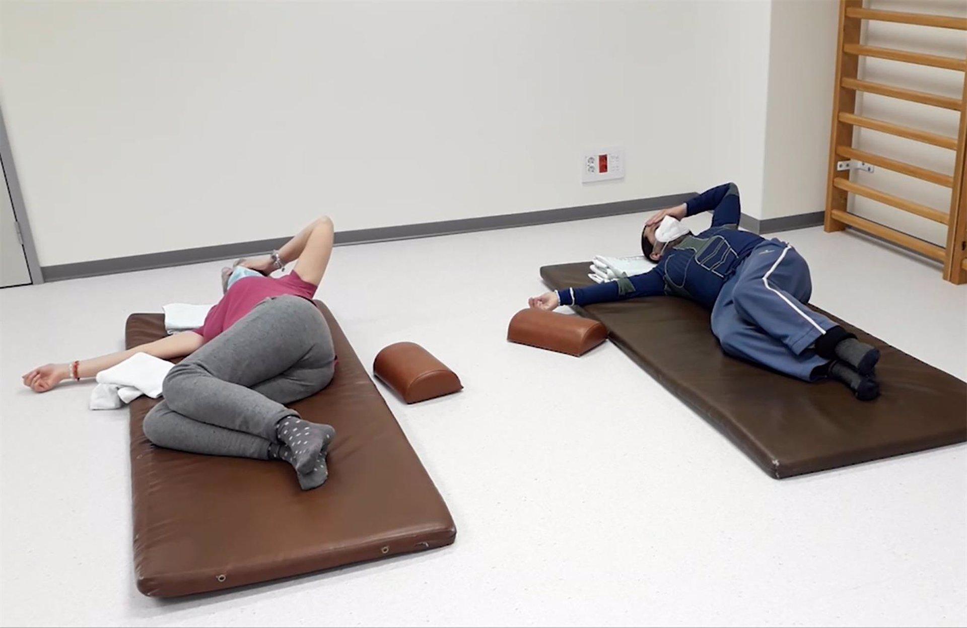 Hospitales de Granada y asociaciones editan vídeos con rehabilitación y recomendaciones para el autocuidado