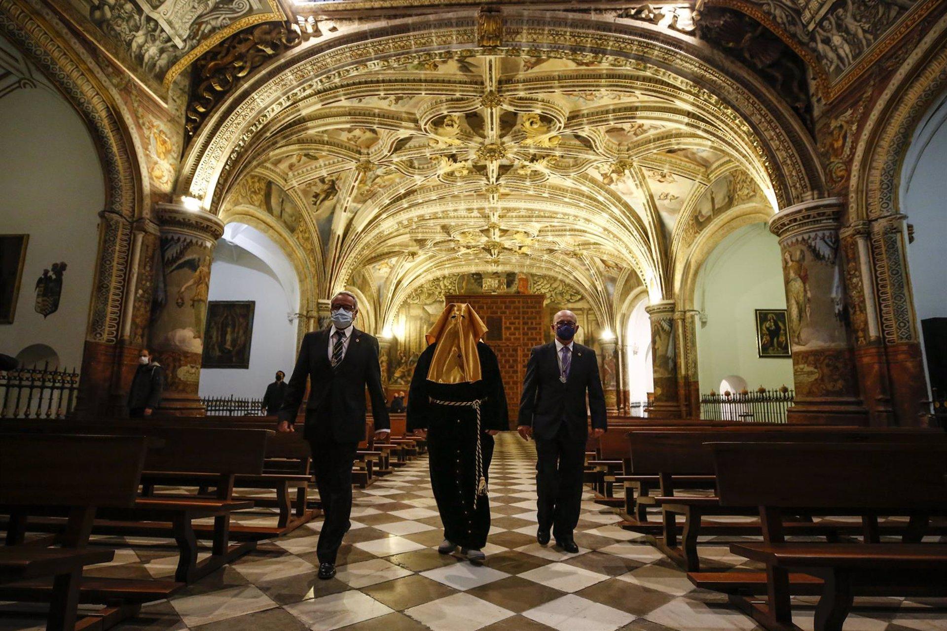 La Soledad libera a un preso en un acto en el Monasterio de San Jerónimo