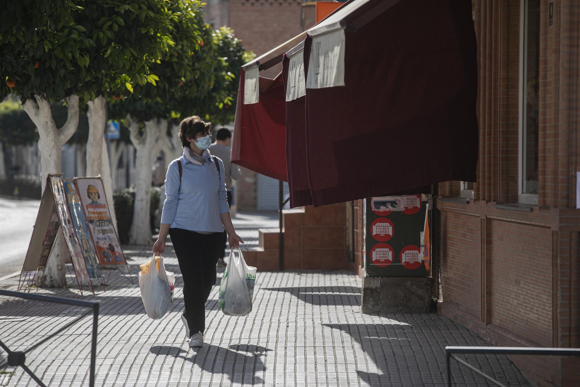 Las ventas del comercio minorista caen en Andalucía un 12,7% en febrero, 3,3 puntos más que a nivel nacional