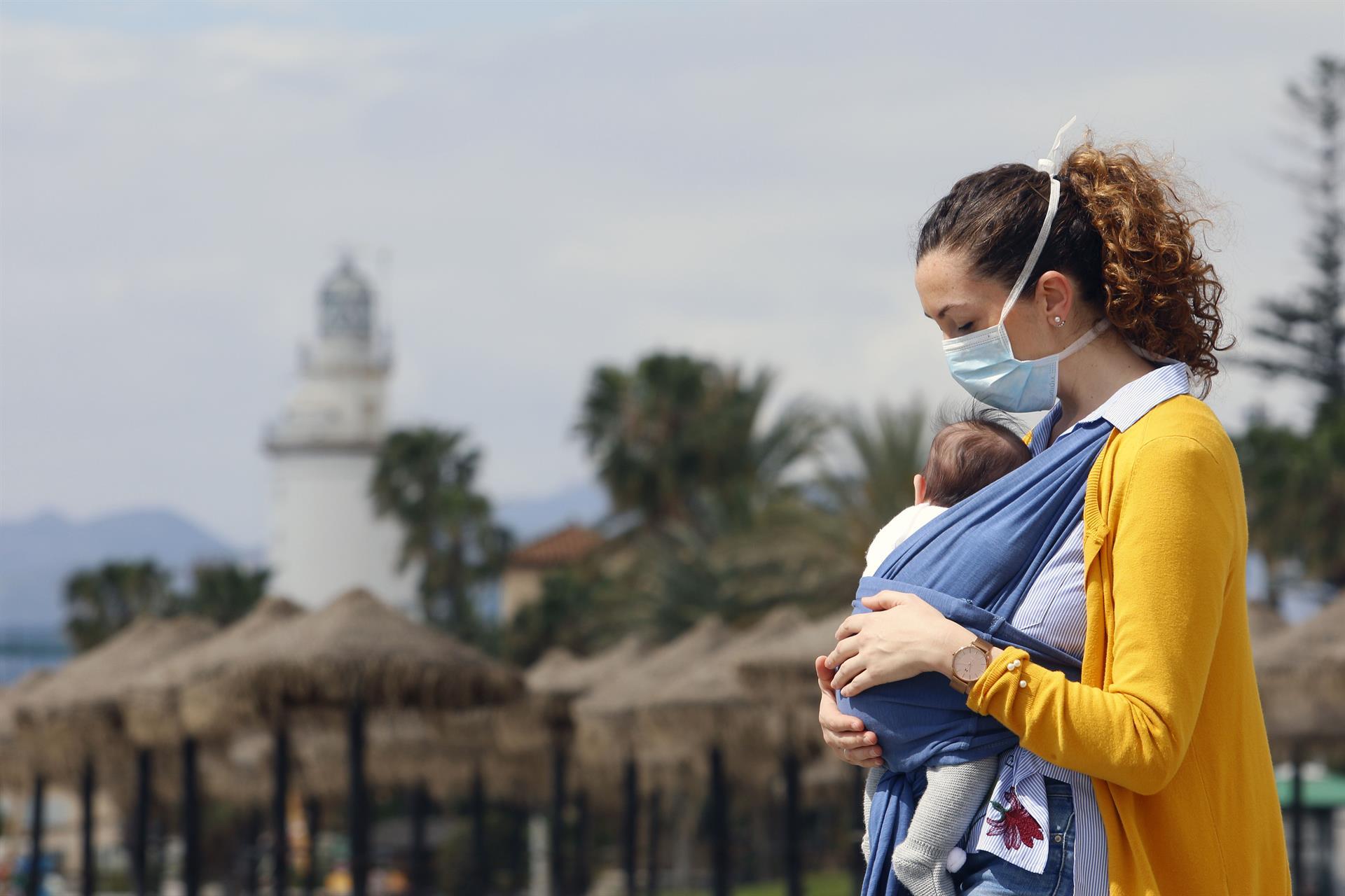 El Parlamento aprueba una iniciativa para reconocer el papel de la mujer durante la pandemia