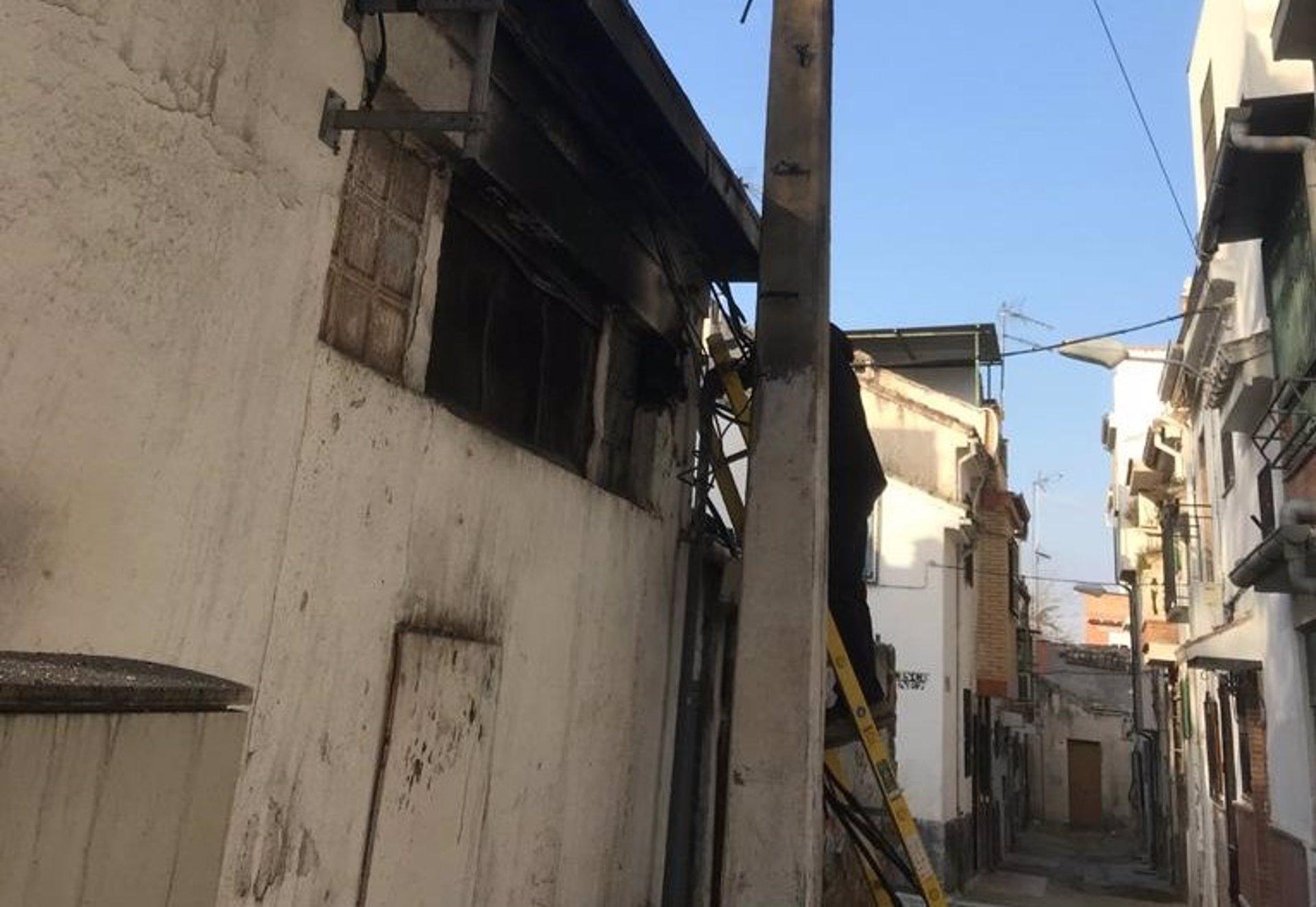 Arde en la Zona Norte un nuevo centro de transformación eléctrica de Endesa