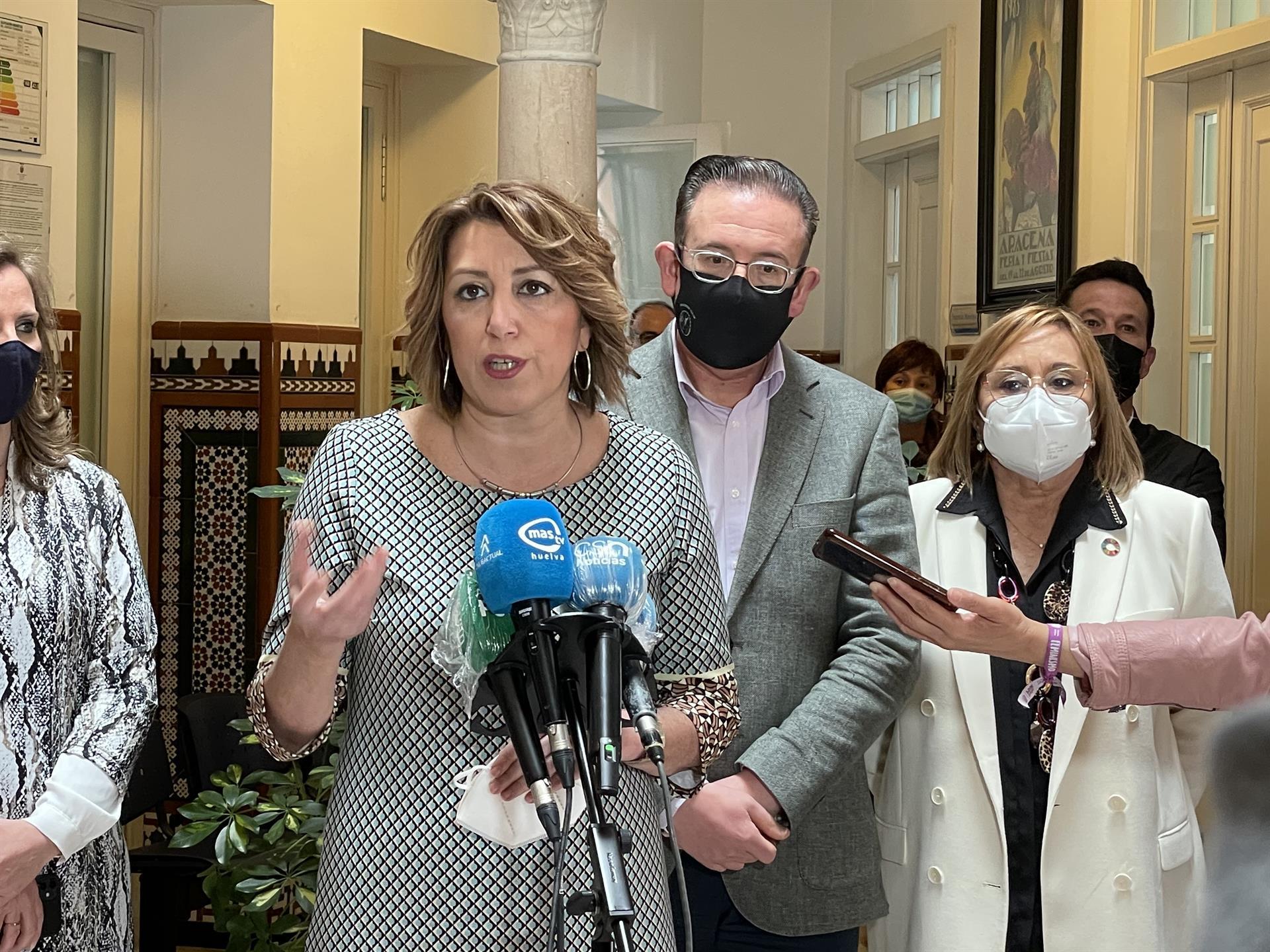Díaz pide a Moreno que «antes de protestar» sobre los 1.109 millones del Gobierno «se gaste lo que le llega»