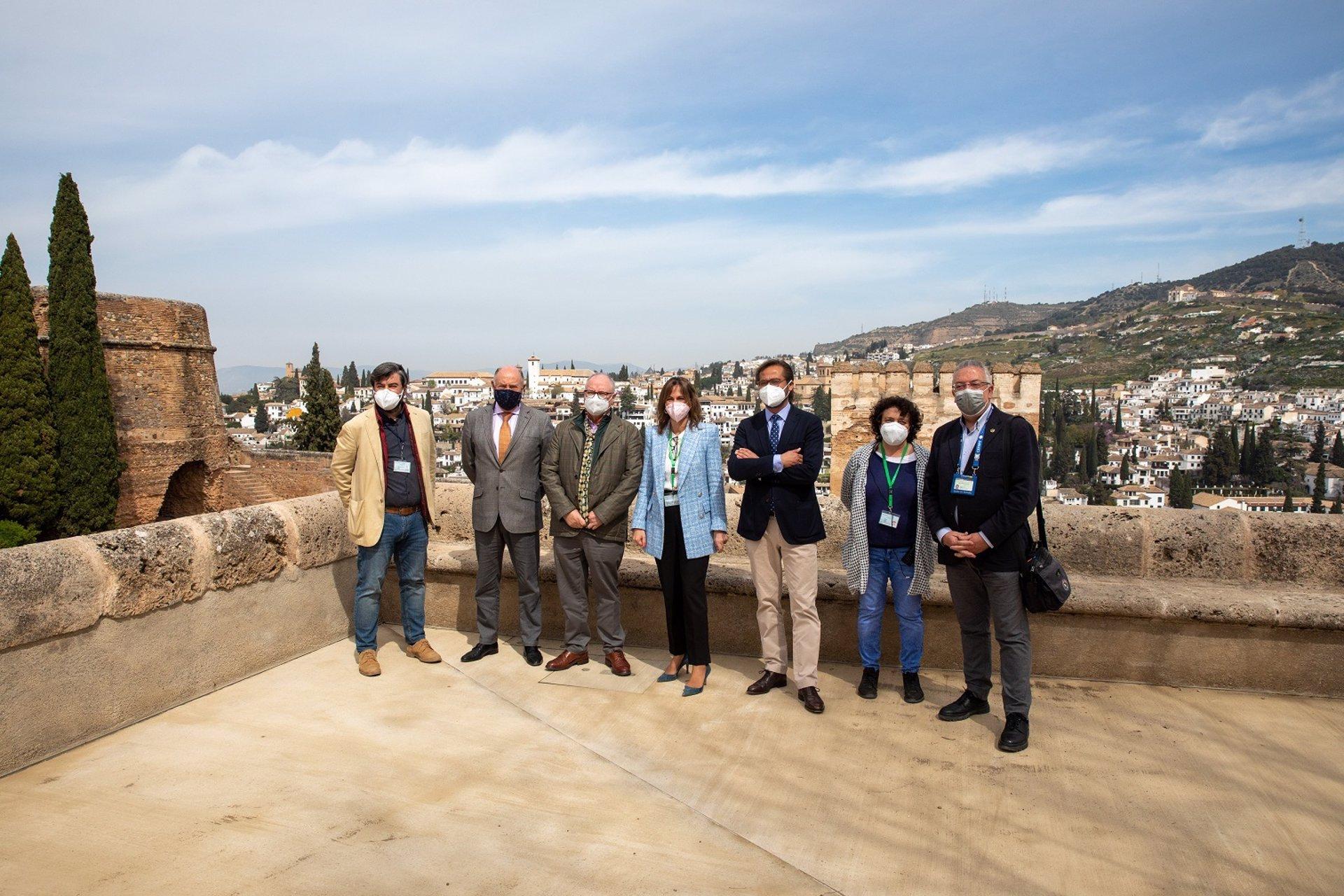 La Alhambra recupera dos accesos a los Palacios Nazaríes tras estabilizar la plaza de Carlos V