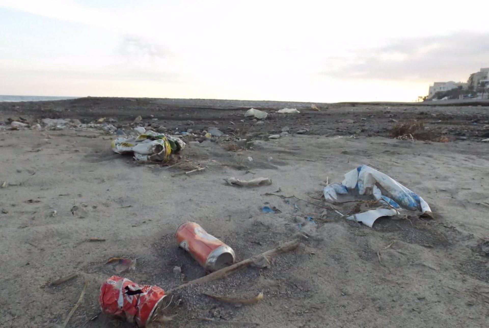 Ecologistas en Acción defiende una «economía menos plastificada» y «penalizar directamente el envase de usar y tirar»