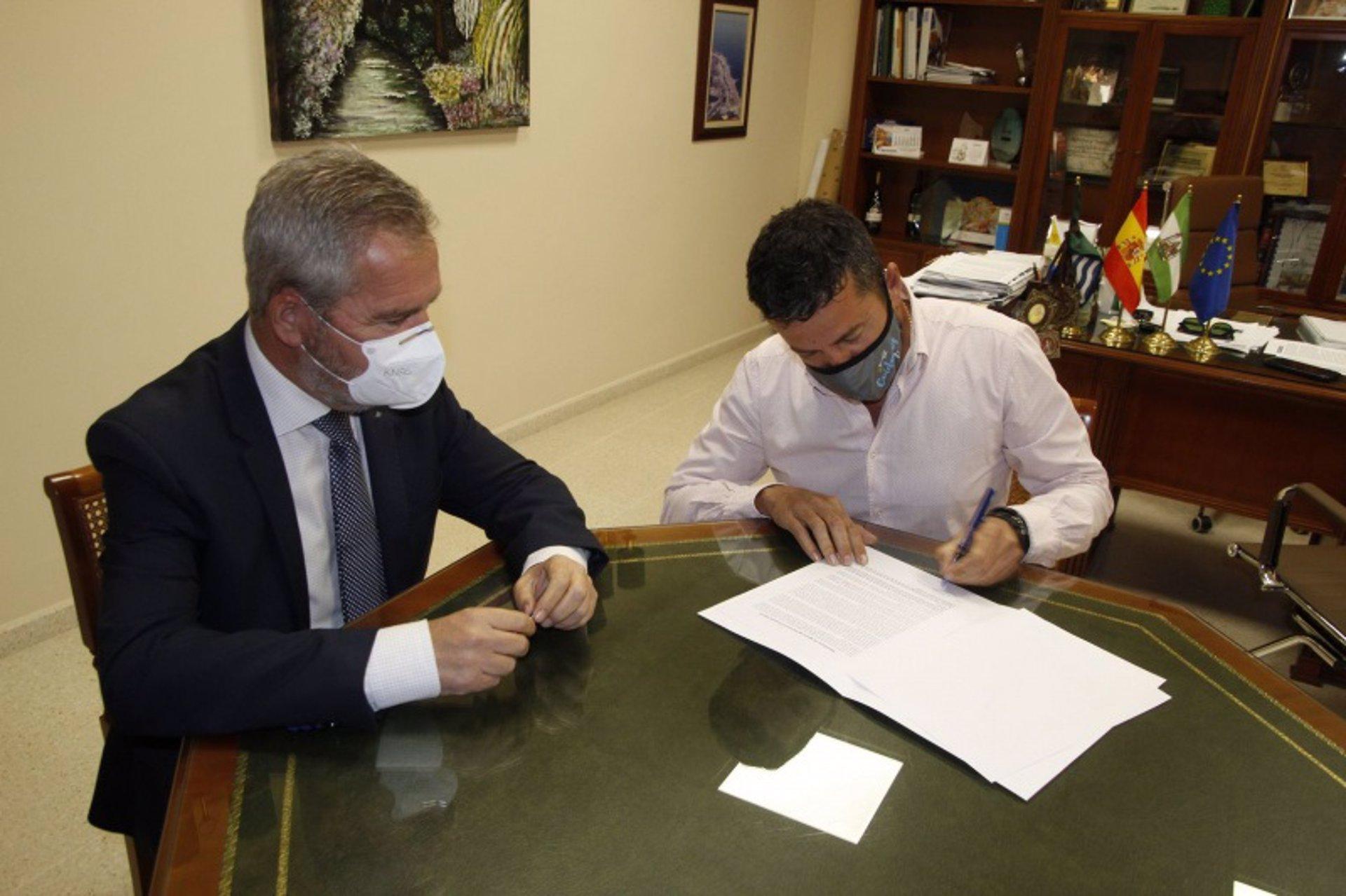 Torrenueva Costa se suma a la petición de la conexión ferroviaria