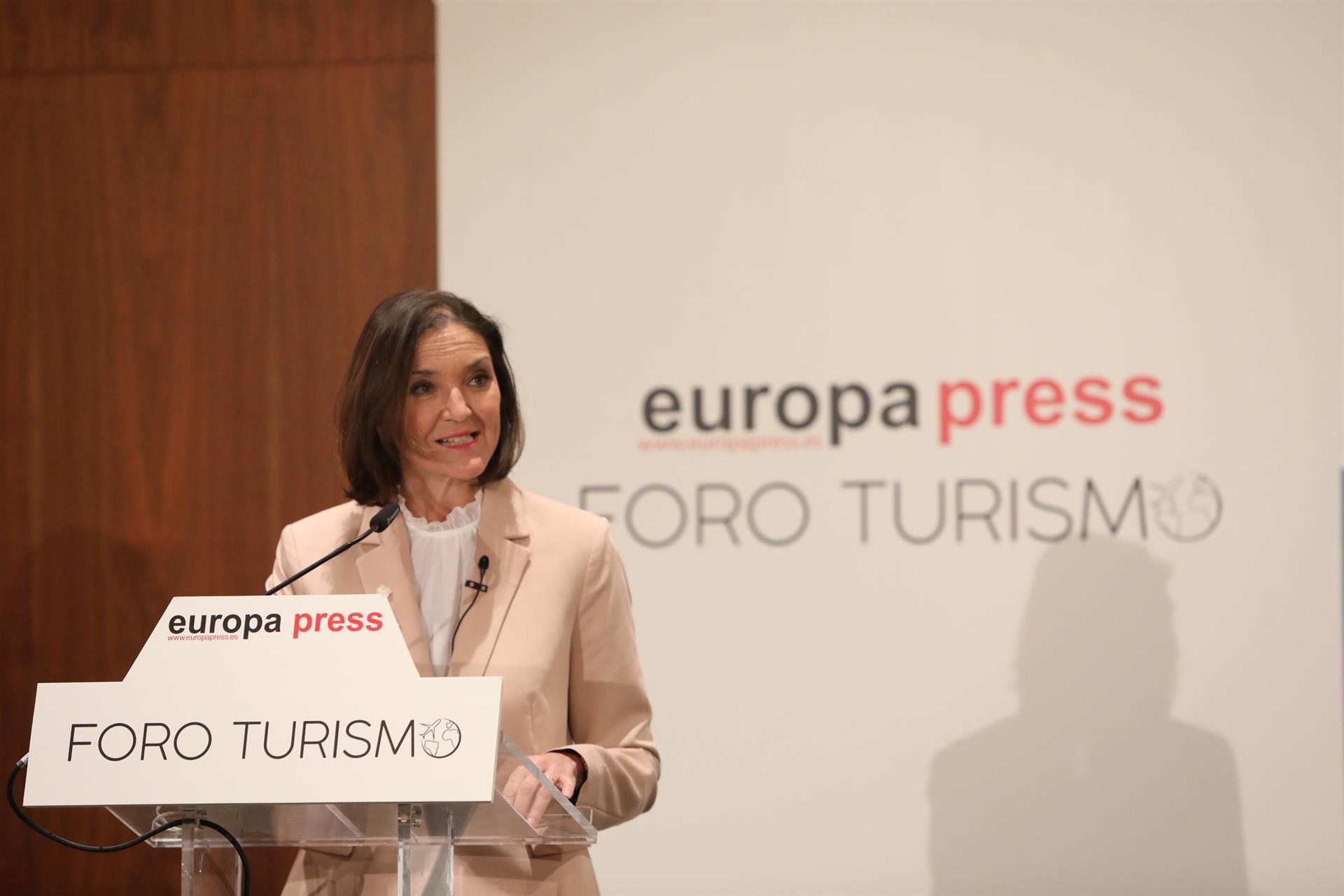 Maroto confía en que en octubre se puedan reanudar los viajes del Imserso