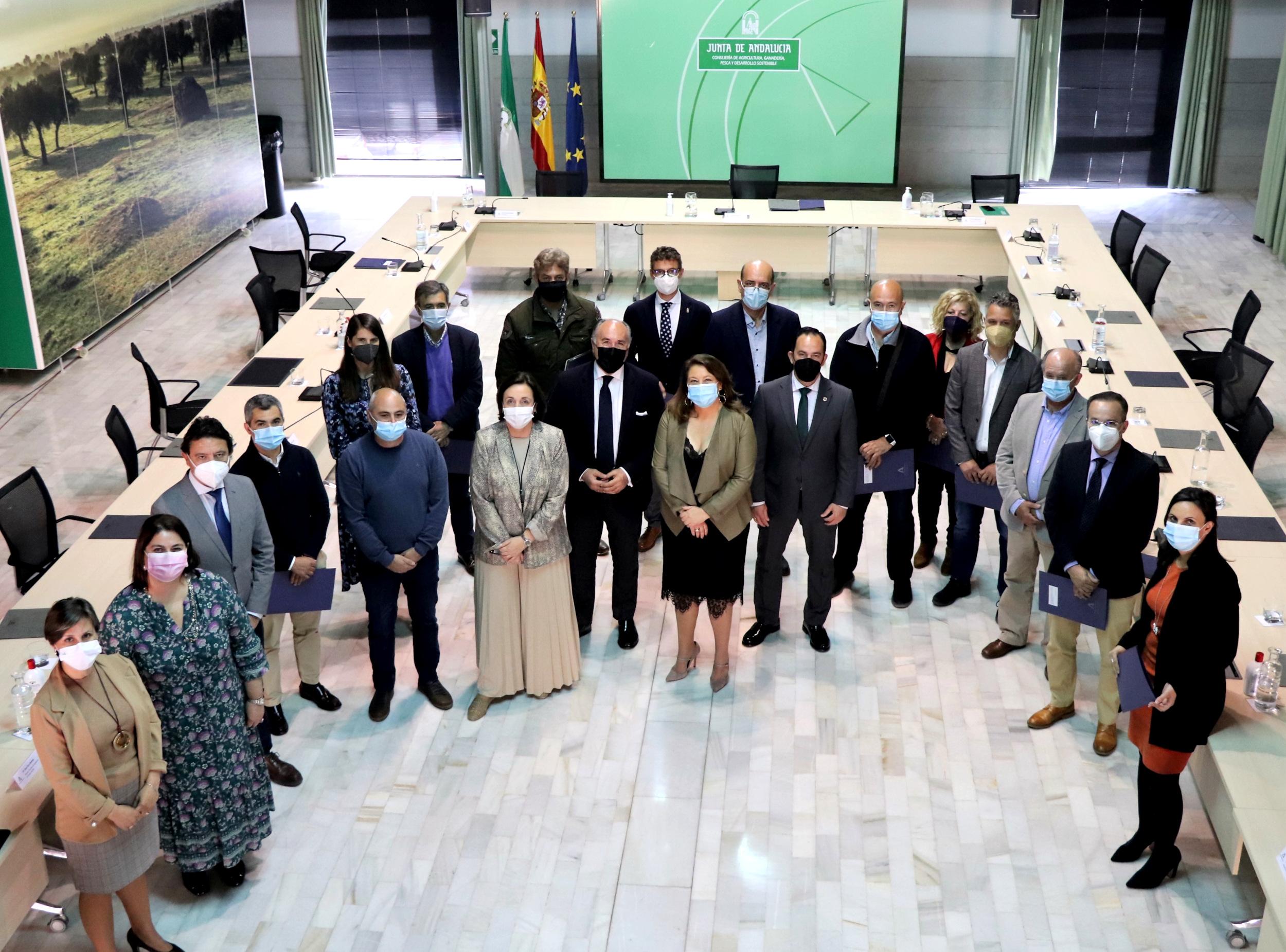 La Junta y 14 ayuntamientos firman convenios de colaboración en materia forestal