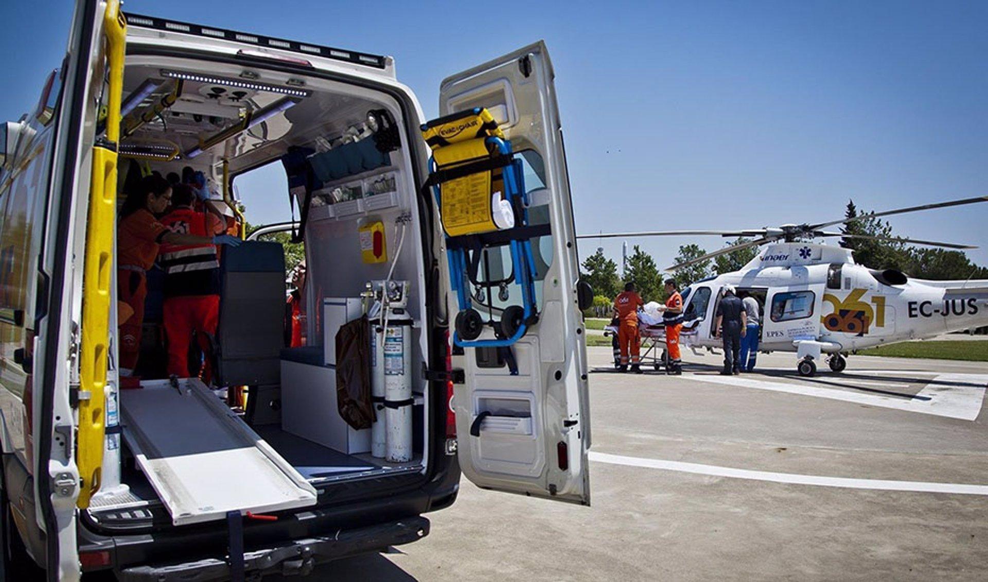 Herido grave un trabajador tras quedar atrapado mientras descargaba un camión en Montefrío
