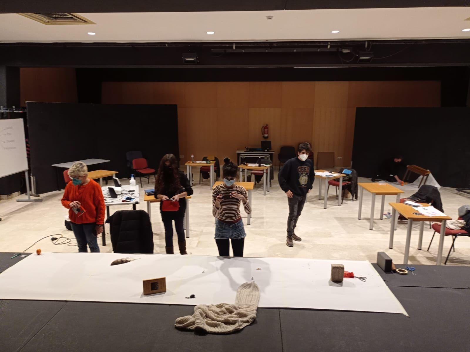 Ofertan plazas abiertas en el taller de escritura dramática con Pablo Remón y Fernanda Orazi