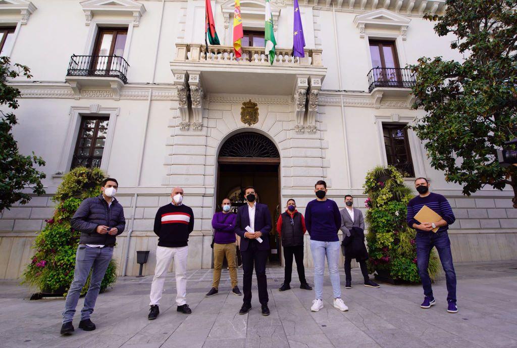 El PSOE pide que se reduzcan los precios de las instalaciones deportivas para fomentar el deporte base