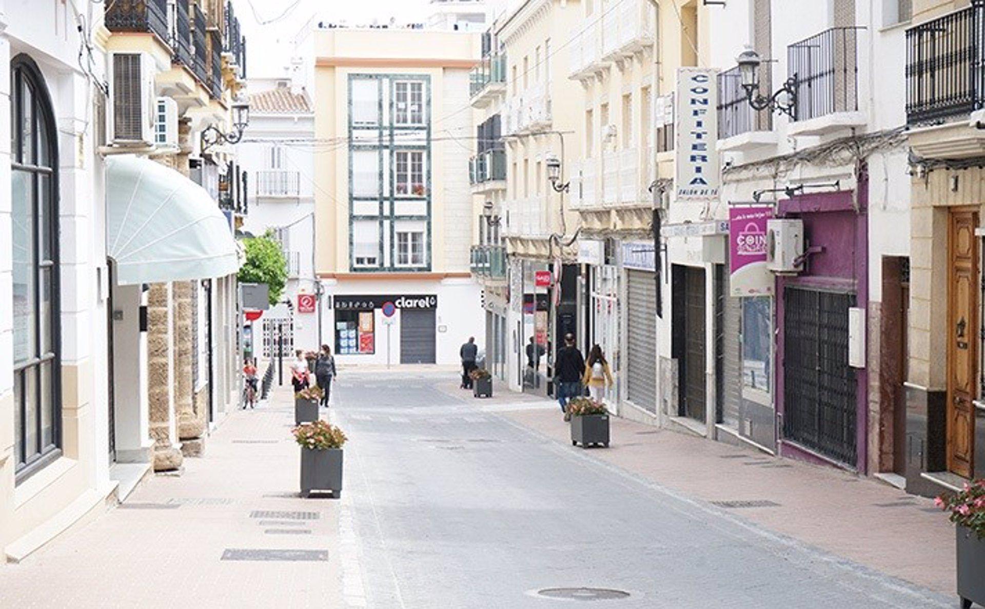 Comerciantes afean «la escasa sensibilidad» de la Junta al obligar al cierre a las 20,00 horas