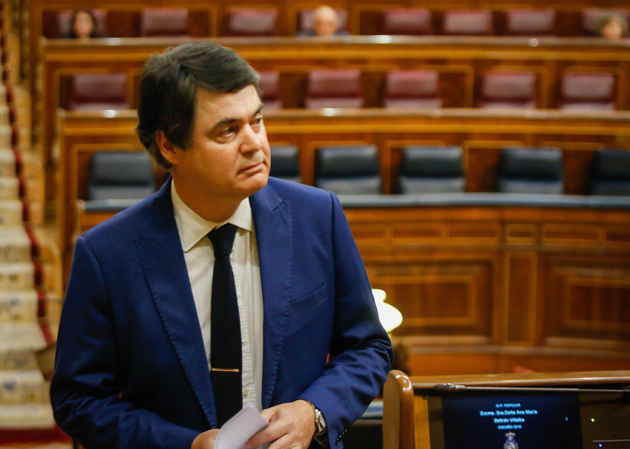 Rojas critica el abandono del Gobierno a los ayuntamientos y exige que se les destine el 14,56% de los fondos europeos