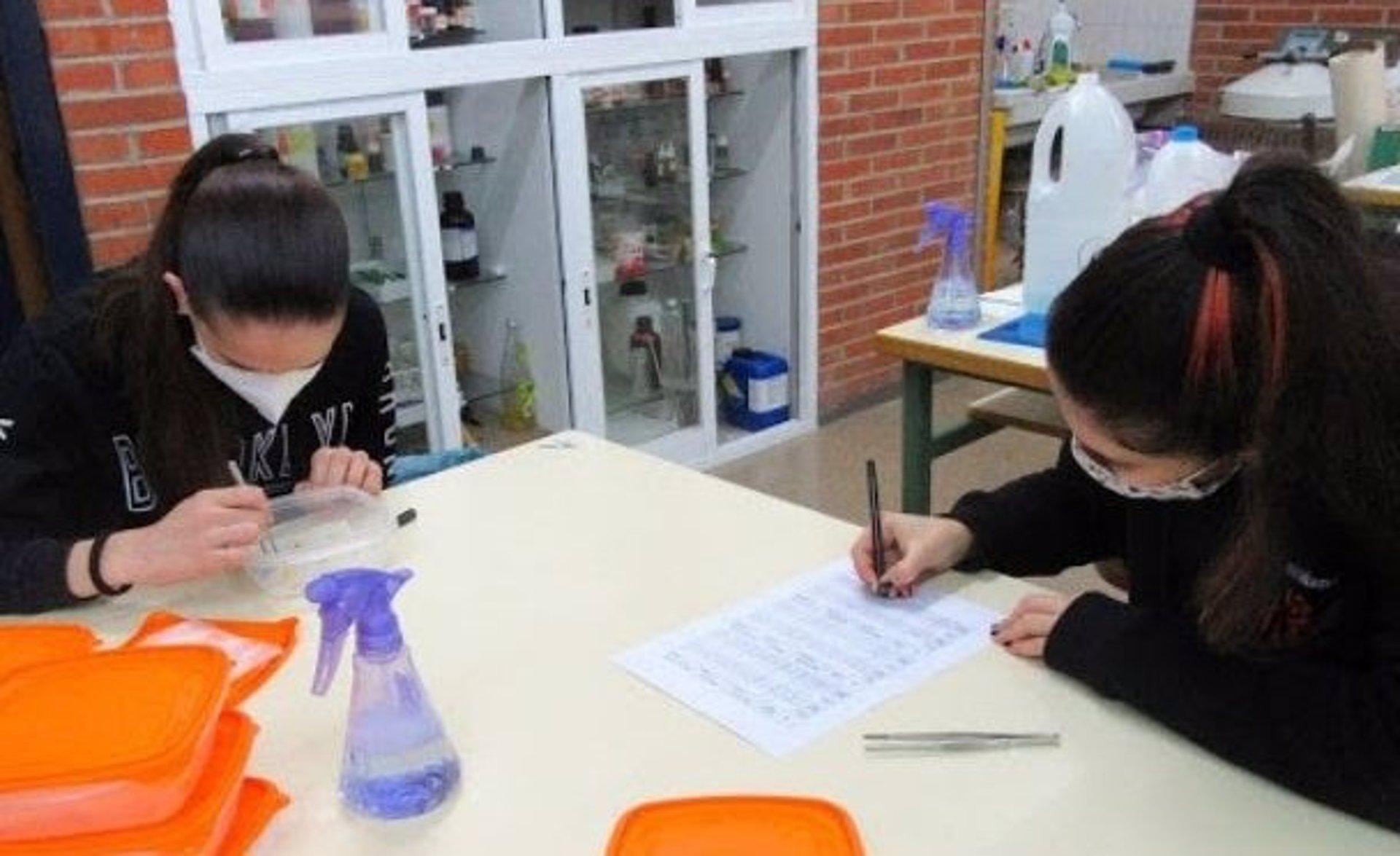 Introducen a alumnos de instituto en los entresijos de la investigación en ciencias agrarias