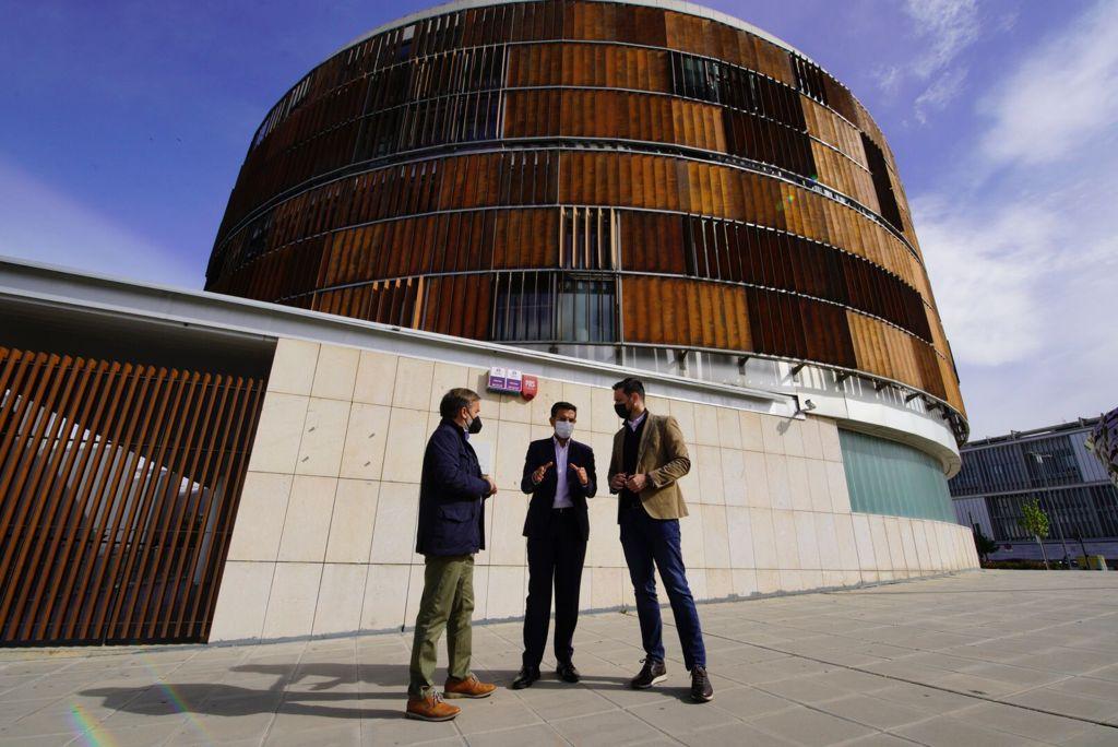 El PSOE advierte del peligro de que empresas del PTS se vayan a otras provincias por la gestión de la Junta