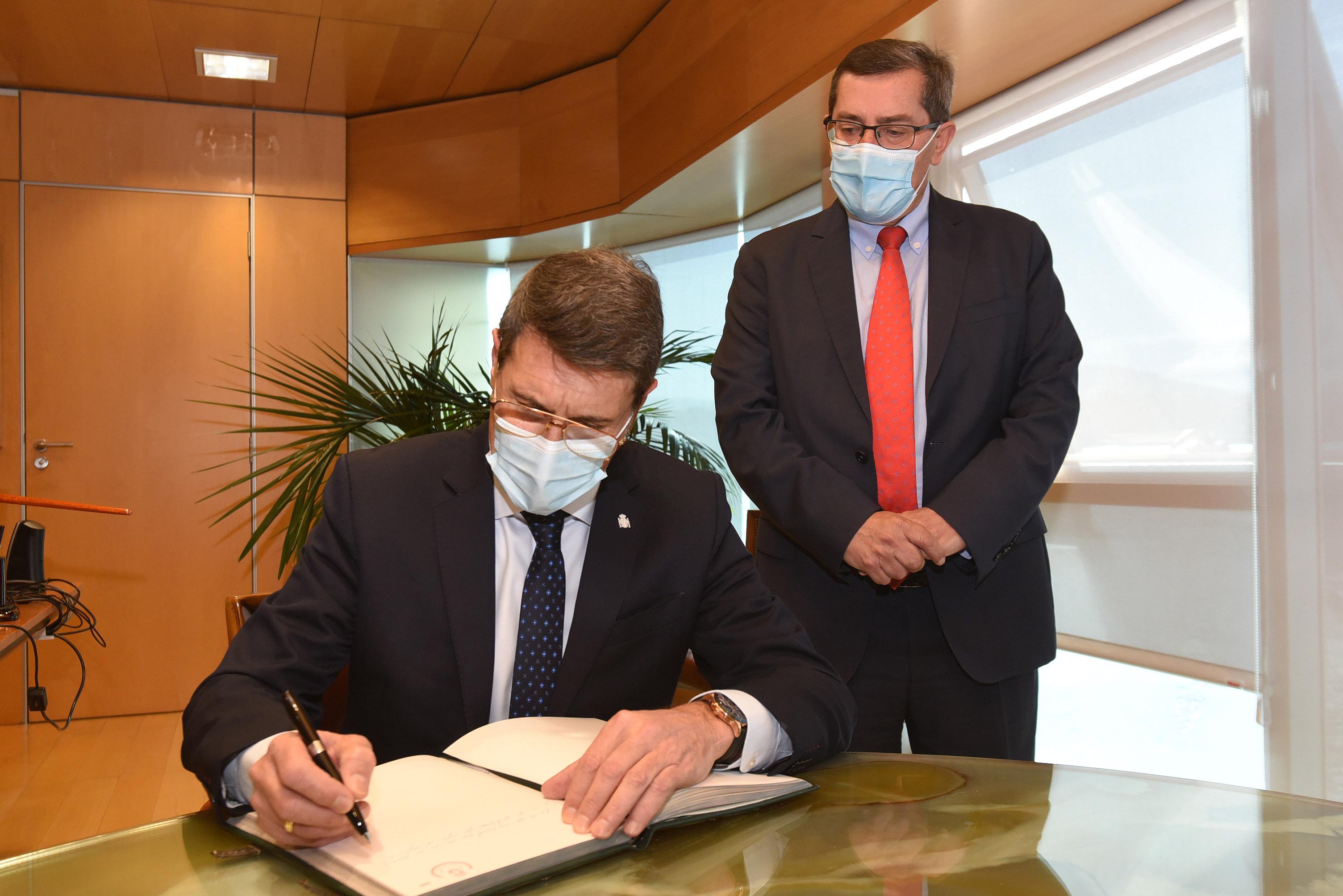 El presidente de la Diputación recibe al nuevo delegado del Gobierno de España en Andalucía