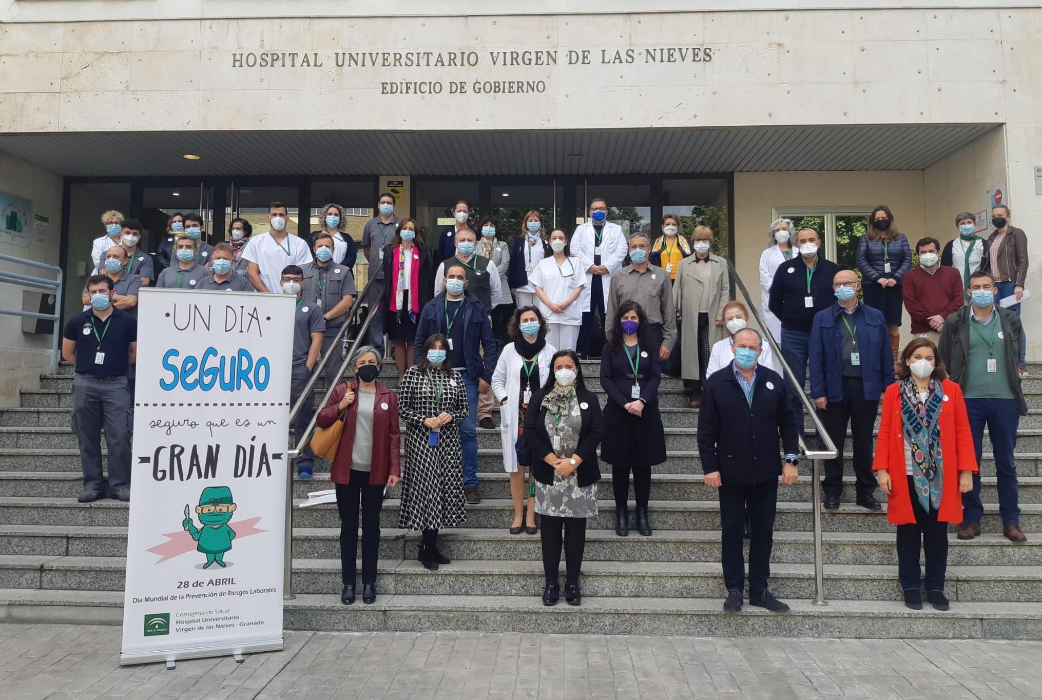 El Hospital Virgen de las Nieves forma a 4.500 profesionales en medidas preventivas ante el Covid19