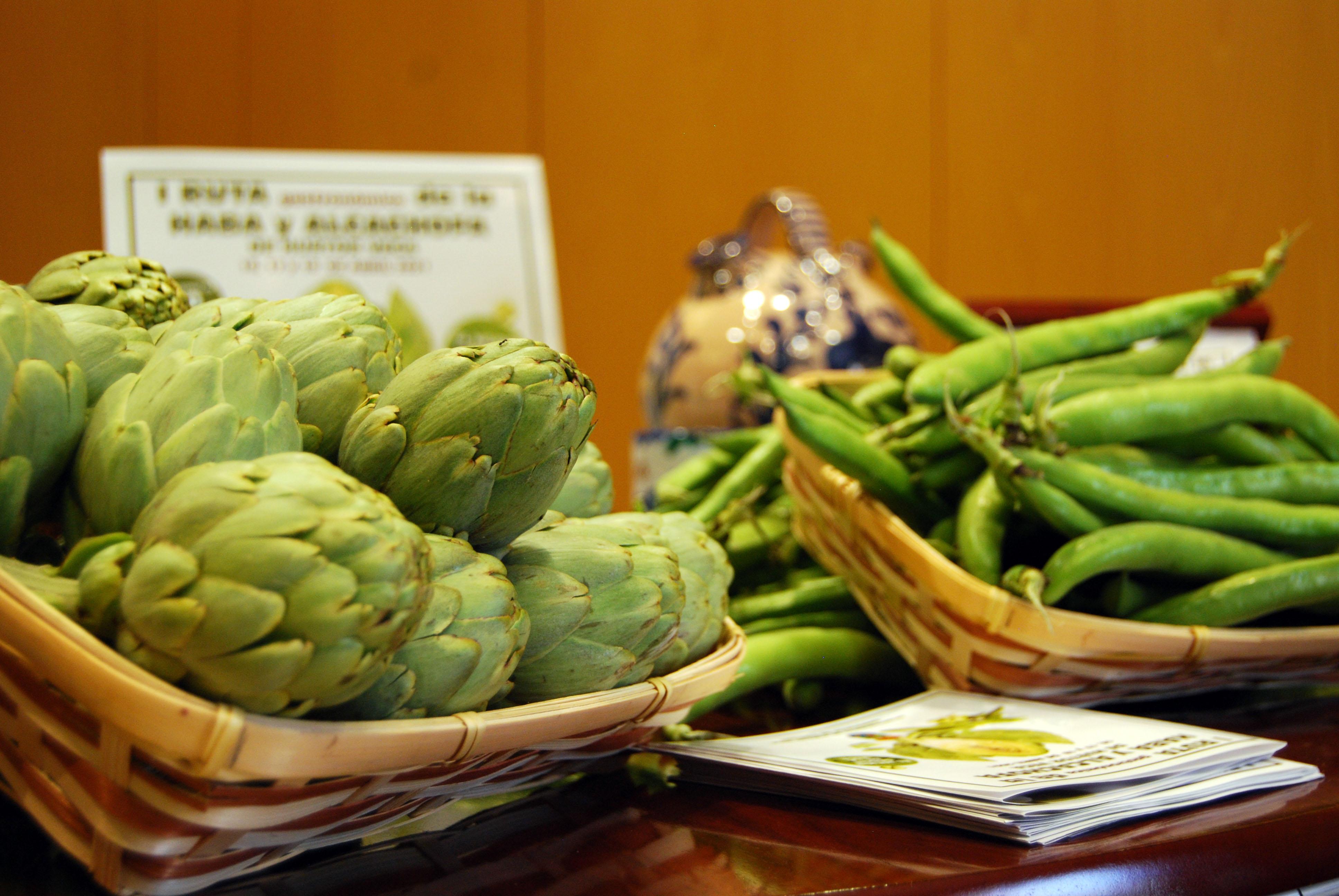 Una ruta gastronómica permite disfrutar de las habas y alcachofas de Huétor Vega