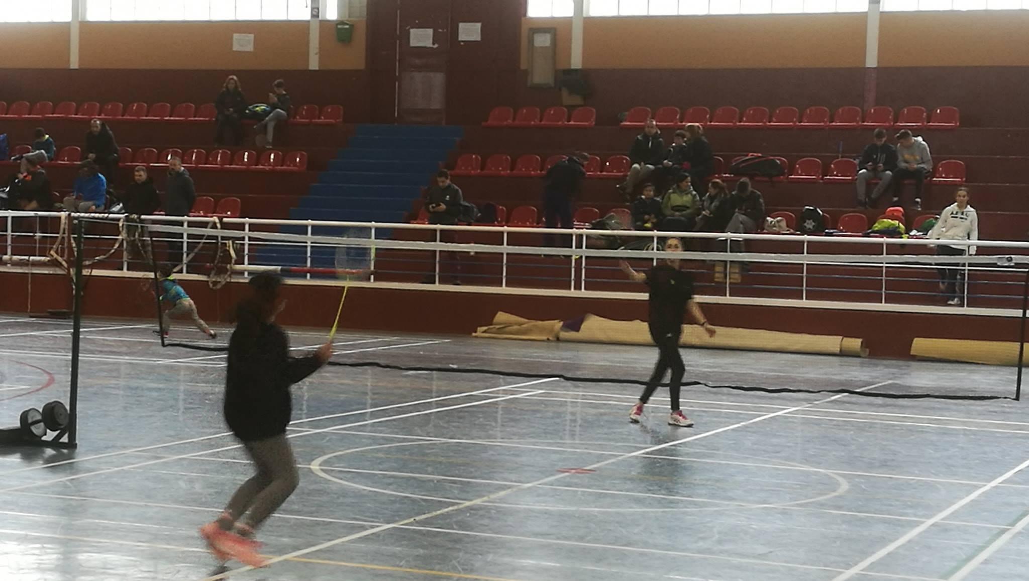 Jugadores de bádminton de Montefrío se dan cita en un torneo local mañana